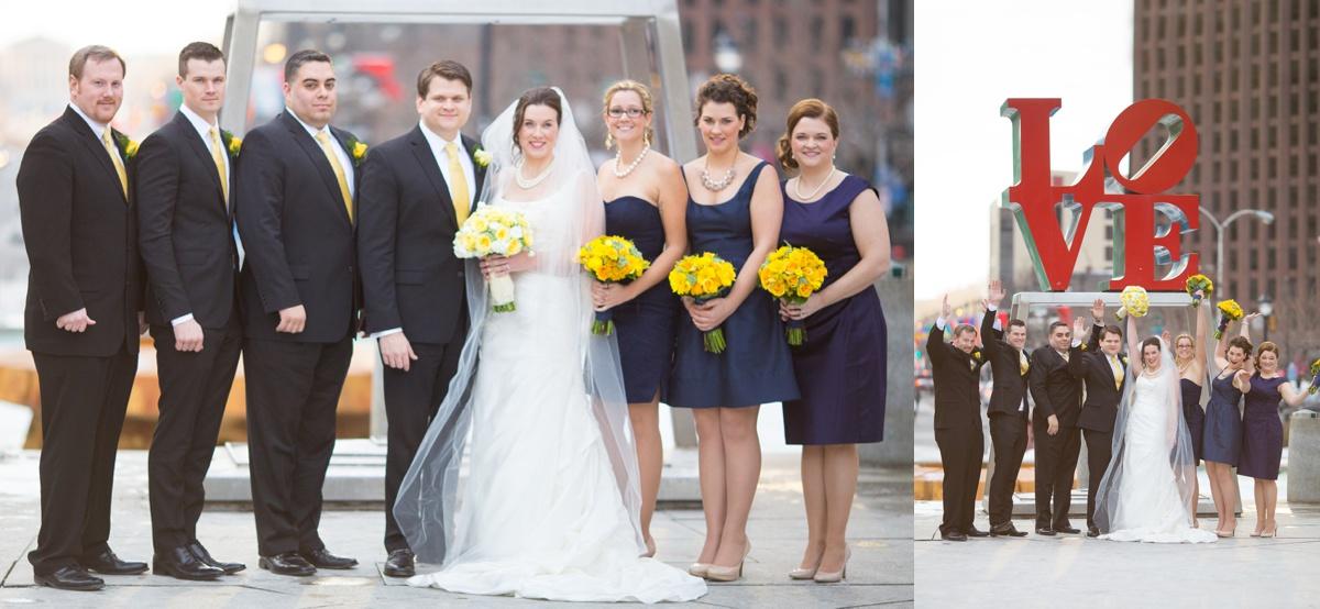 love statue wedding photo philadelphia