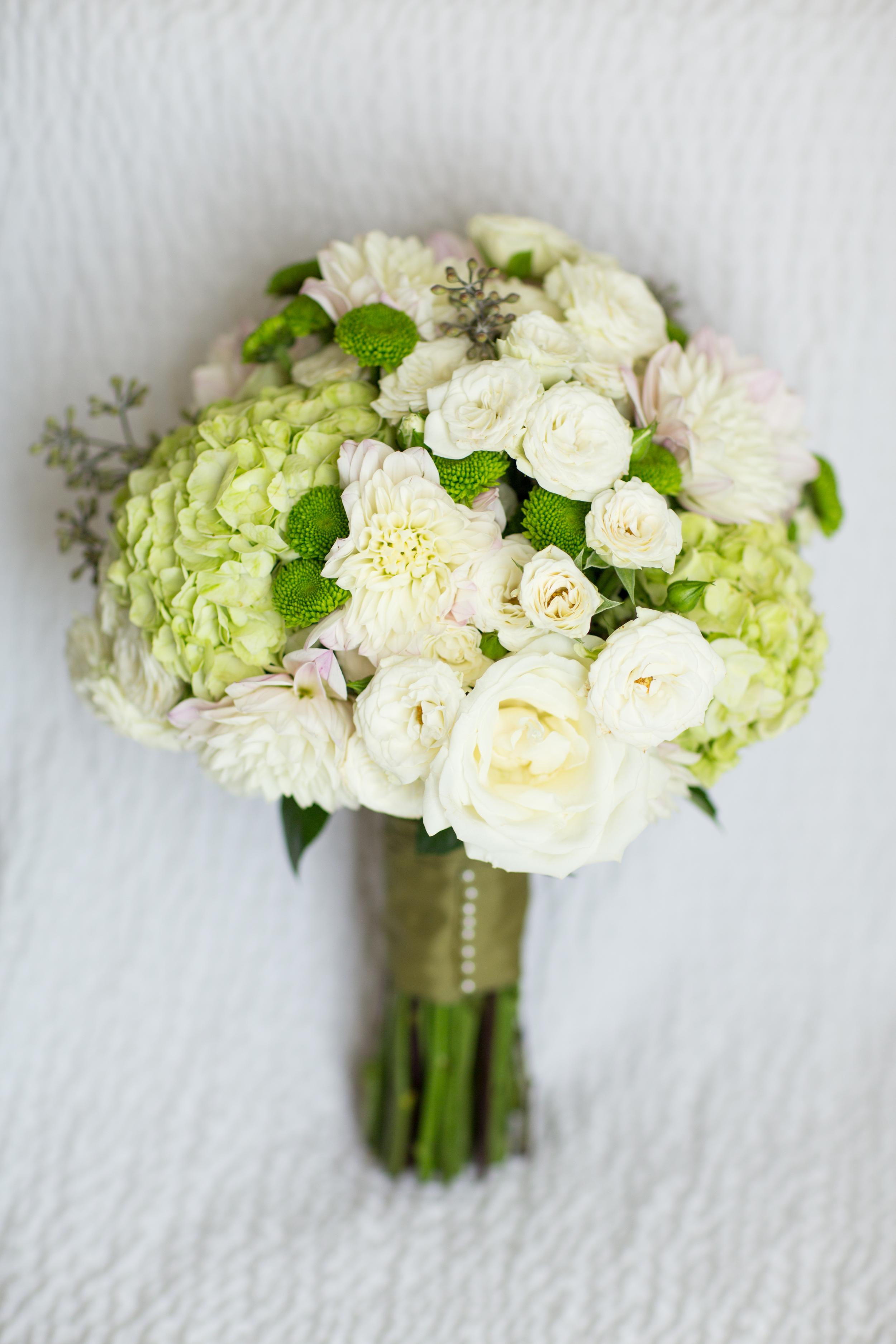green white bridal bouquet
