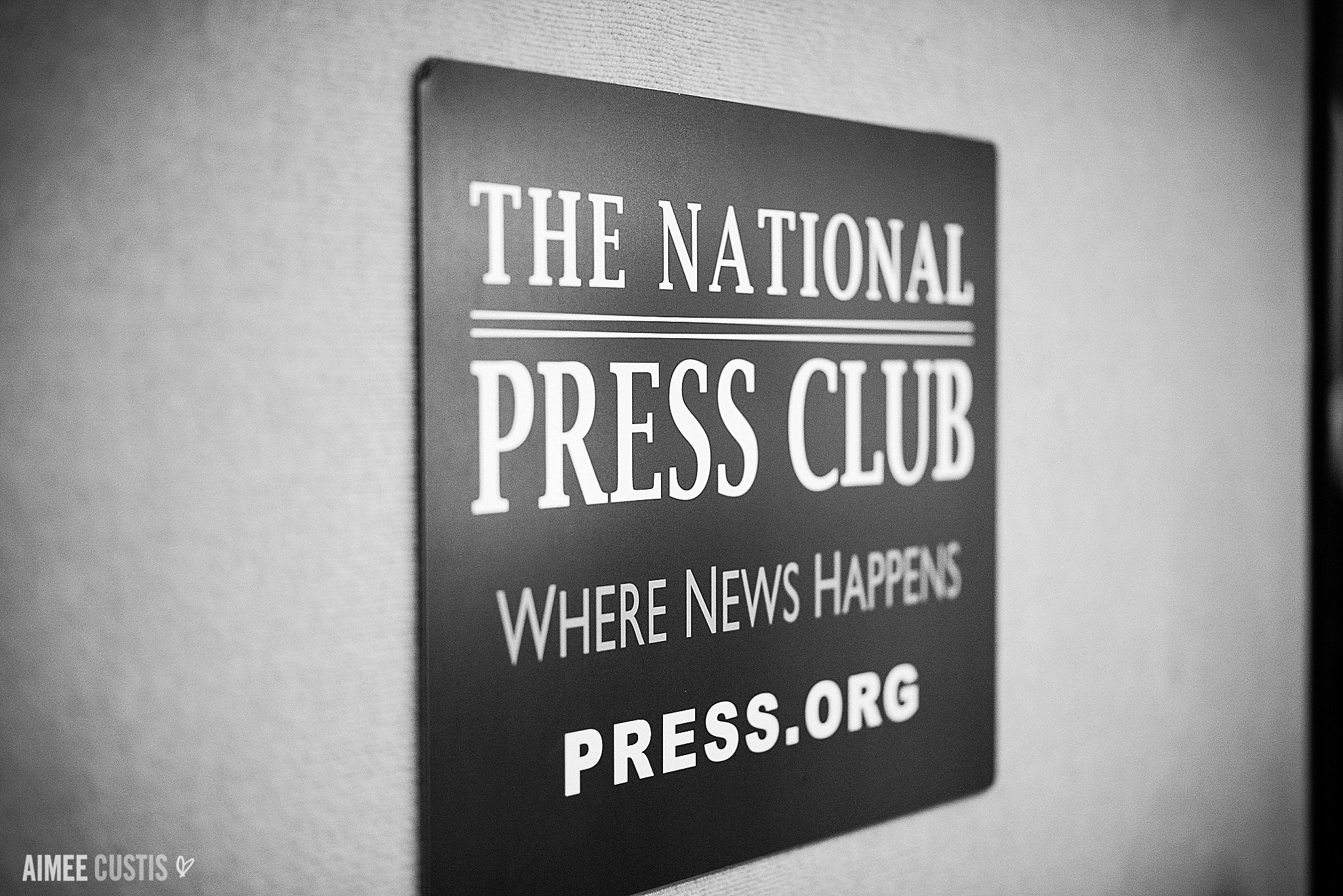 Darcy + Clark's romantic DC wedding day at National Press Club