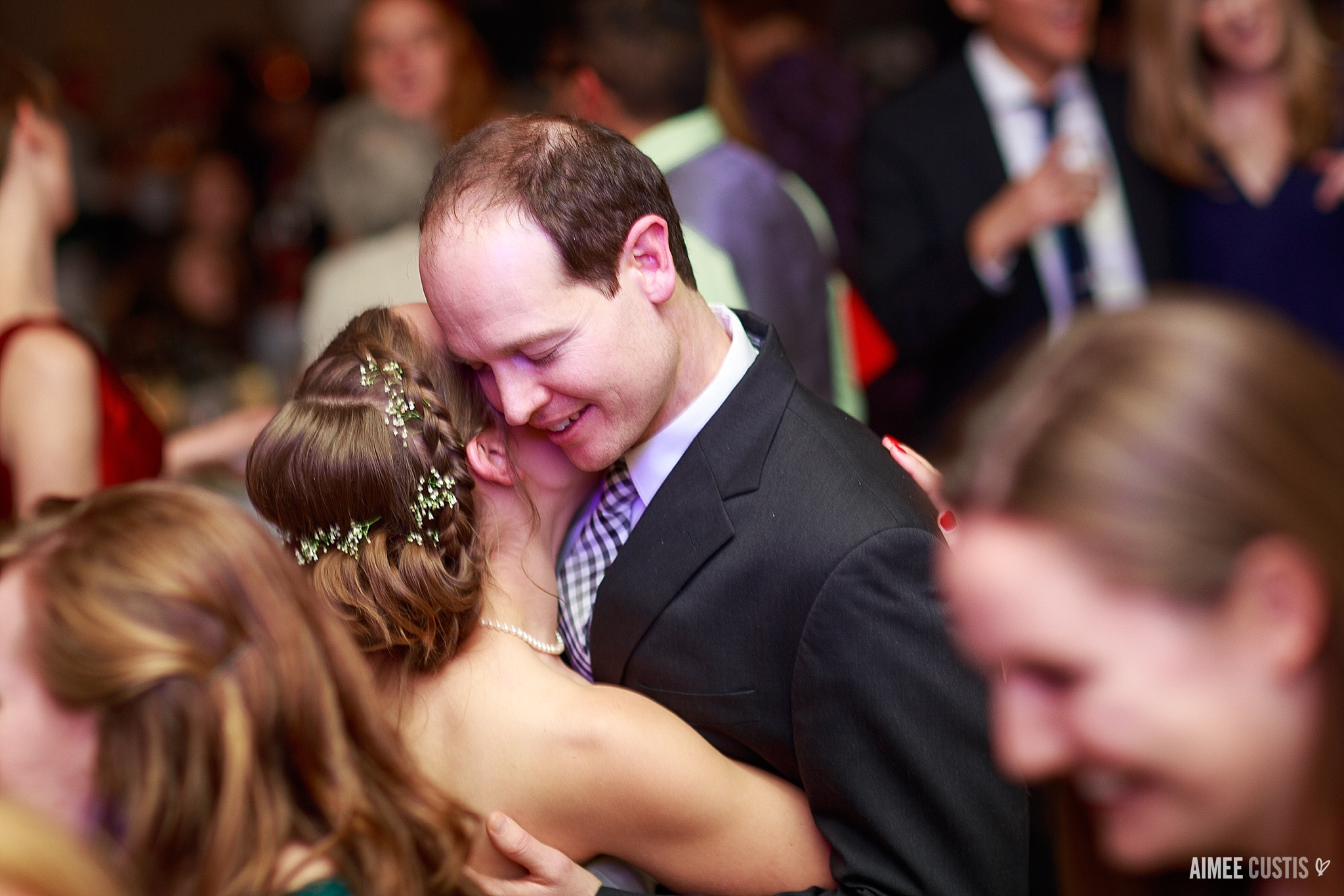colorful natural candid Virginia estate wedding photography