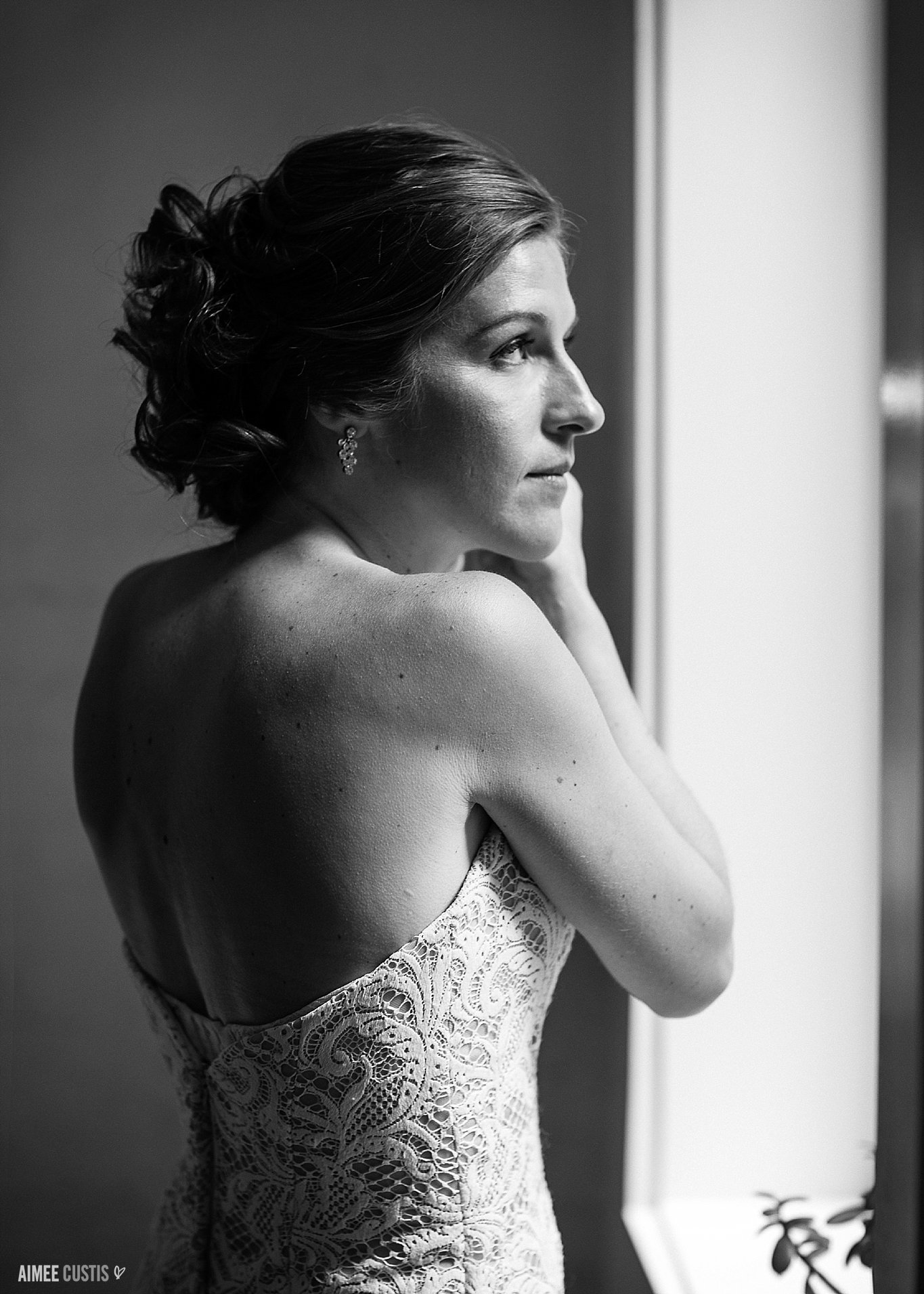 Ahhhh, window light. Second only to 'magic hour' on a perfect spring or fall day, window light is one of the most beautiful lighting setups in my arsenal as a wedding photographer!