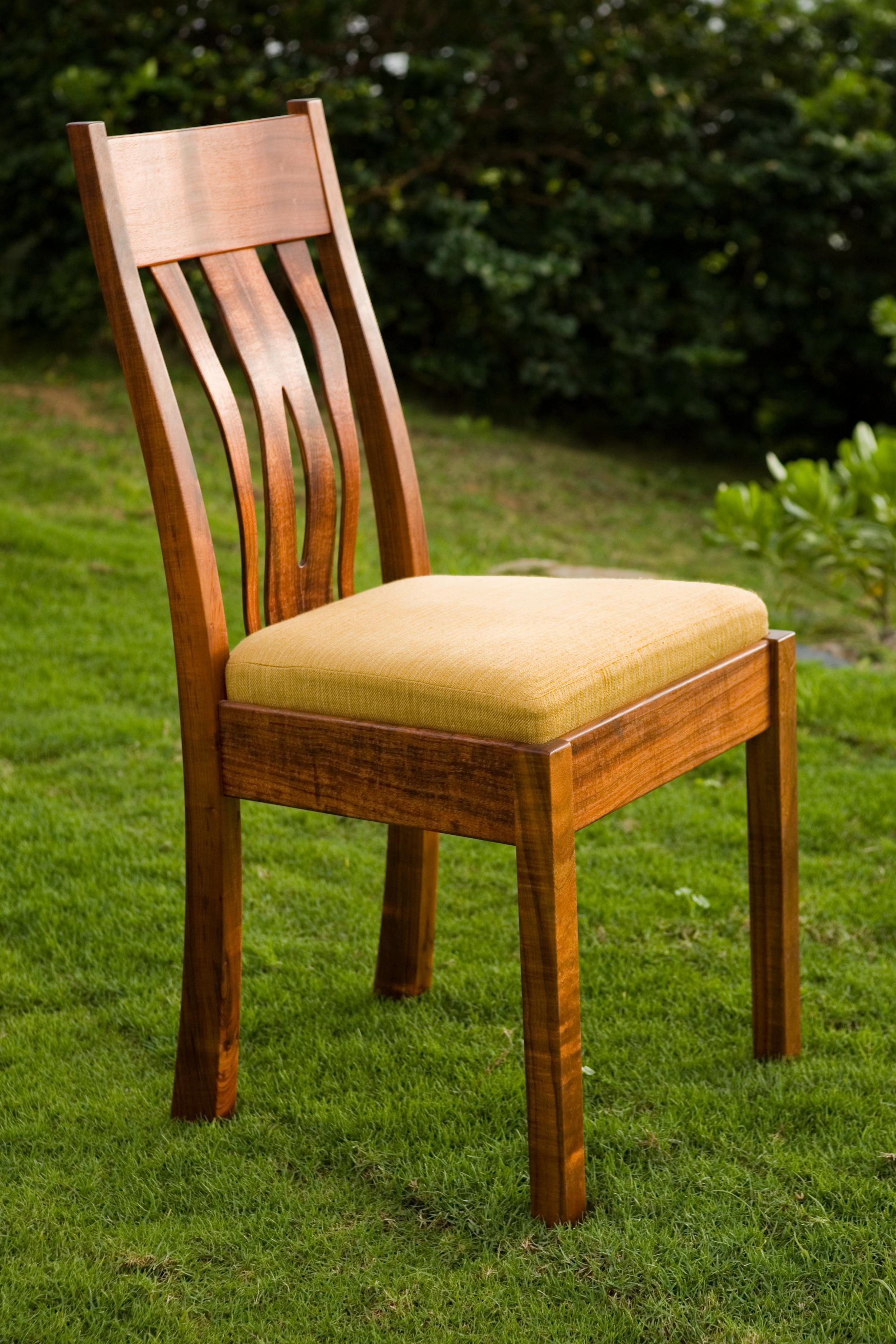 wave chair.jpg