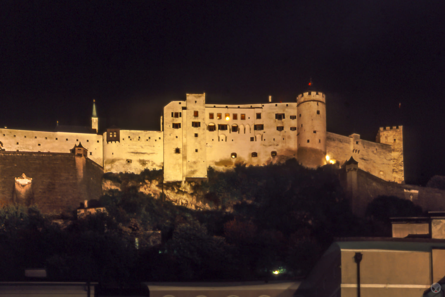 Festung Hohensalzburg at night.