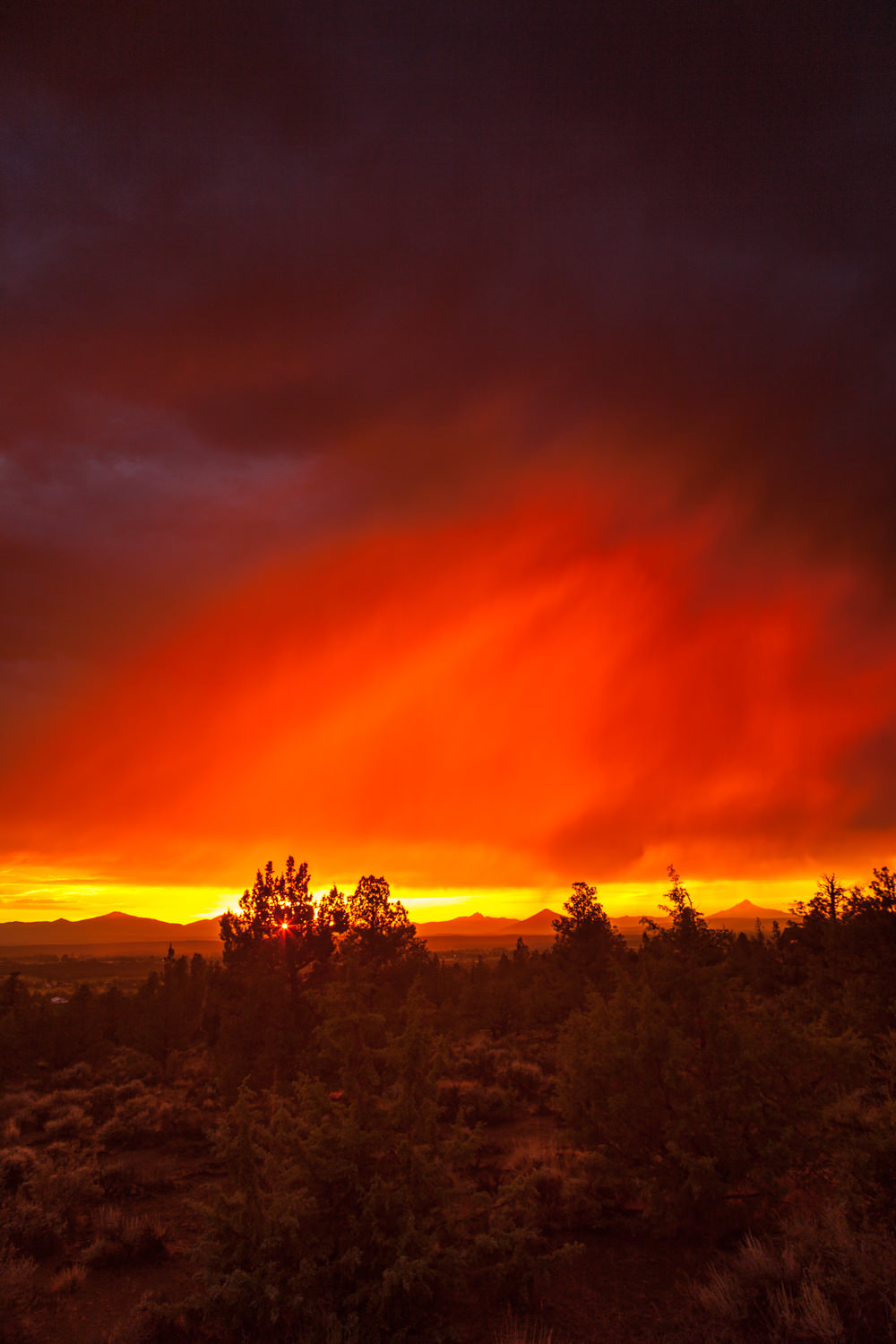 Sunset over the central Oregon Cascades.