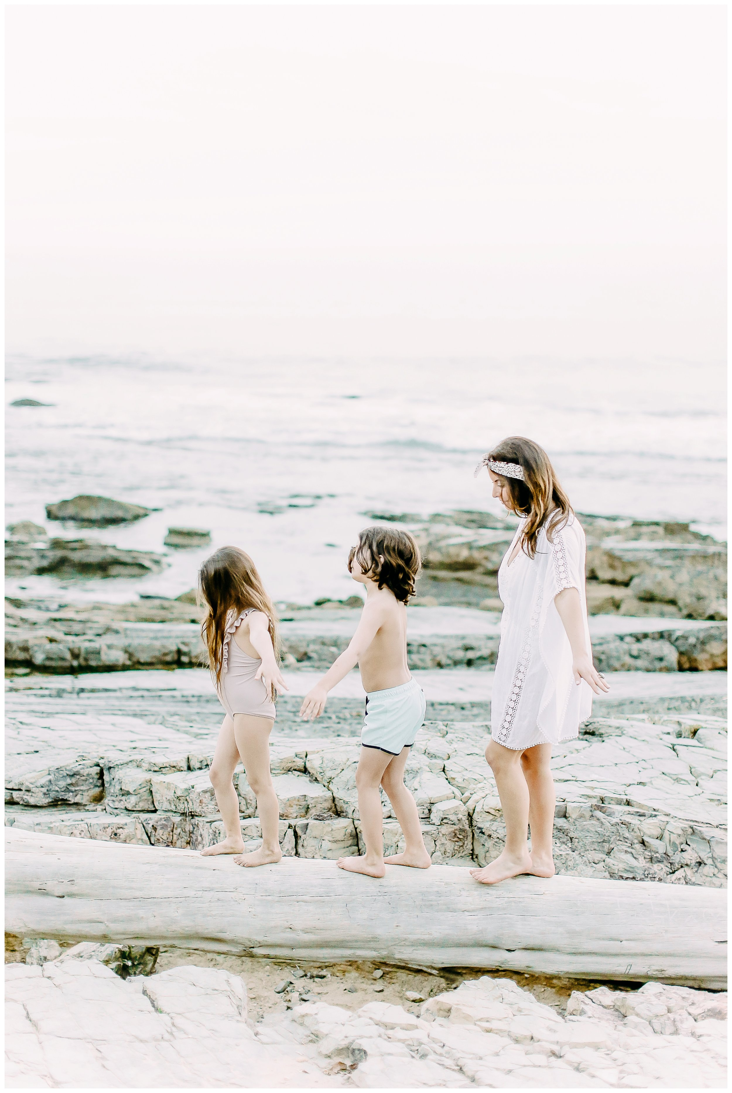 Crystal-Cove-State-Beach-Motherhood- Session-Crystal-Cove-Newport-Beach-Family-Photographer-Crystal-Cove-Minnow-Swim-Cori-Kleckner-Photography-Orange-County-Vacation-Family-Photos-Session-_0859.jpg
