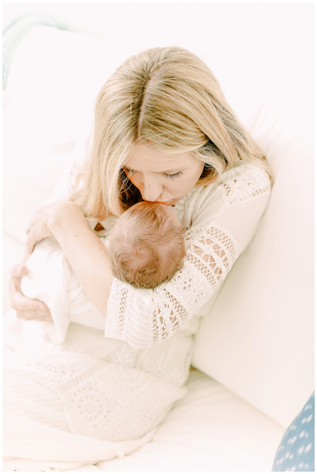 Newport_Beach_Newborn_Photographer_Lifestyle_Newborn_Photography_in_home_session_Cori_Kleckner_Photography_0939.jpg