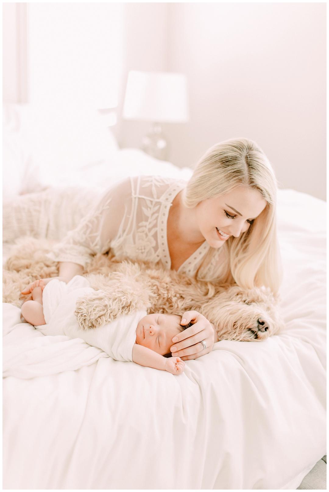 Newport_Beach_Newborn_Photographer_Lifestyle_Newborn_Photography_in_home_session_Cori_Kleckner_Photography_0968.jpg