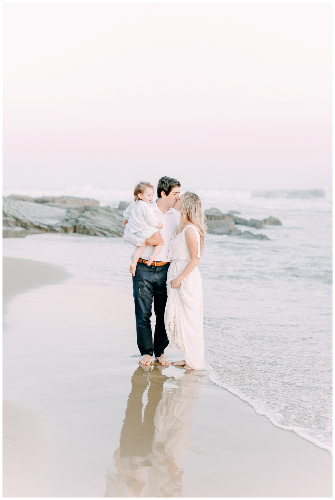 Newport_Beach_Maternity_Photographer_Orange_County_Maternity_Photography_Cori_Kleckner_Photography_Orange_County_Family_Photographer_Beach_Maternity_Session_1141.jpg