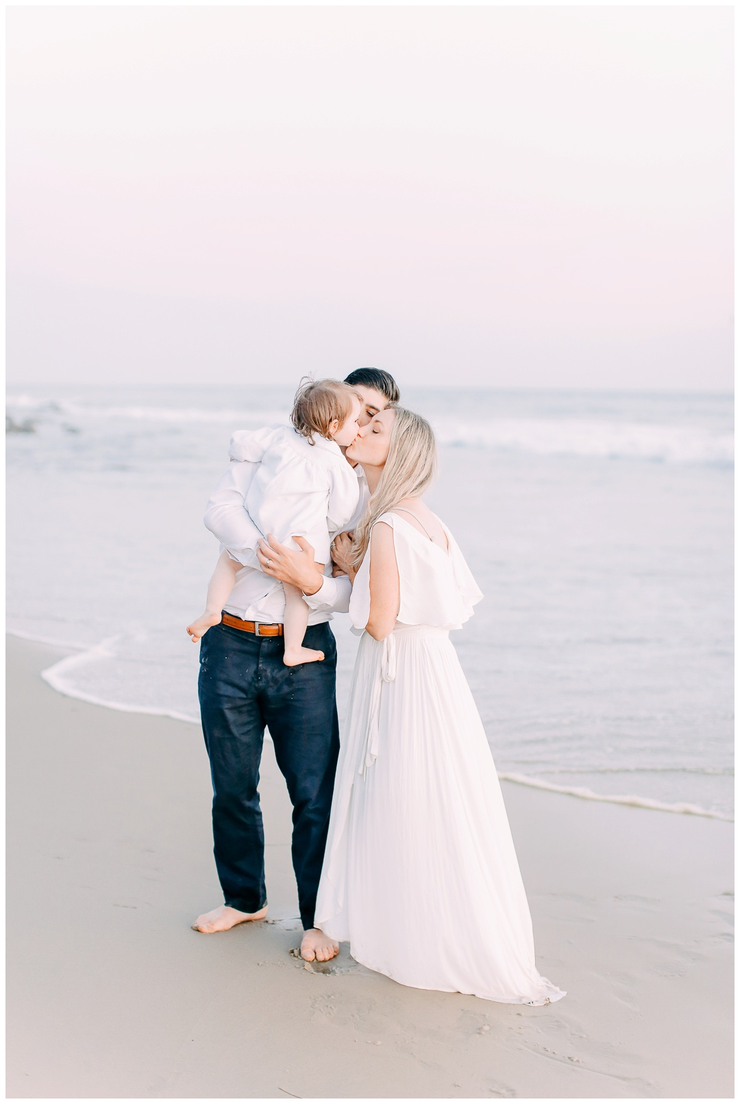 Newport_Beach_Maternity_Photographer_Orange_County_Maternity_Photography_Cori_Kleckner_Photography_Orange_County_Family_Photographer_Beach_Maternity_Session_1157.jpg