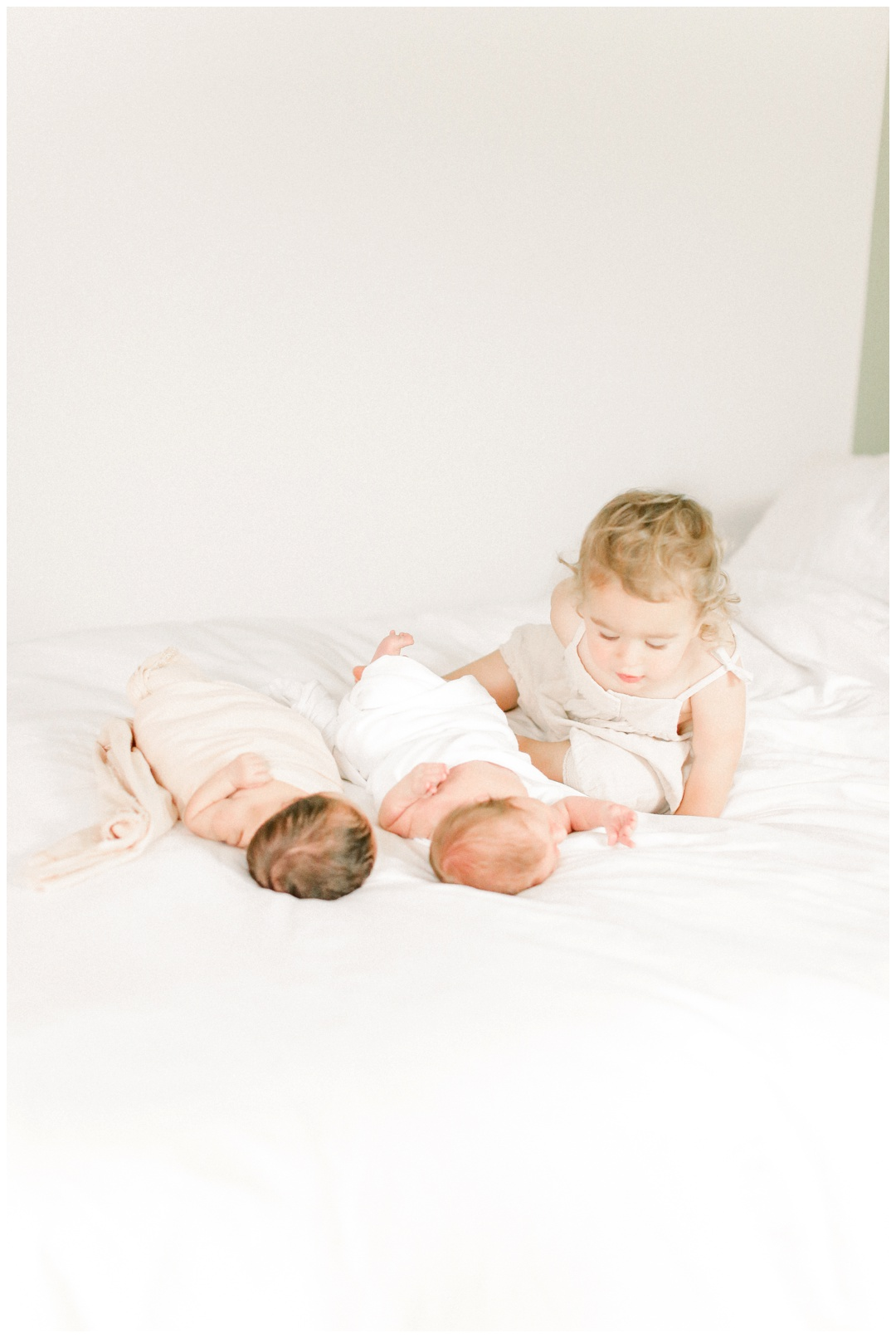 The_Garber_Family_Newborn_Twins_Session_Newport_Beach_Family_Photographer_Orange_County_Newborn_Photography_Cori_Kleckner_Photography_Orange_County_Family_Photographer_Beach_Family_Session_1200.jpg