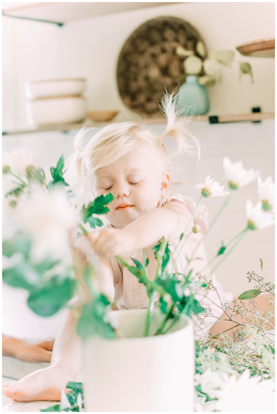 Newport_Beach_Lifestyle_in-Home_Photographer_Newport_Beach_In-Home_Photography_Orange_County_Photographer_Cori_Kleckner_Photography_Orange_County_in-home_Photography_Kristin_Dinsmore_Family_session_1947.jpg