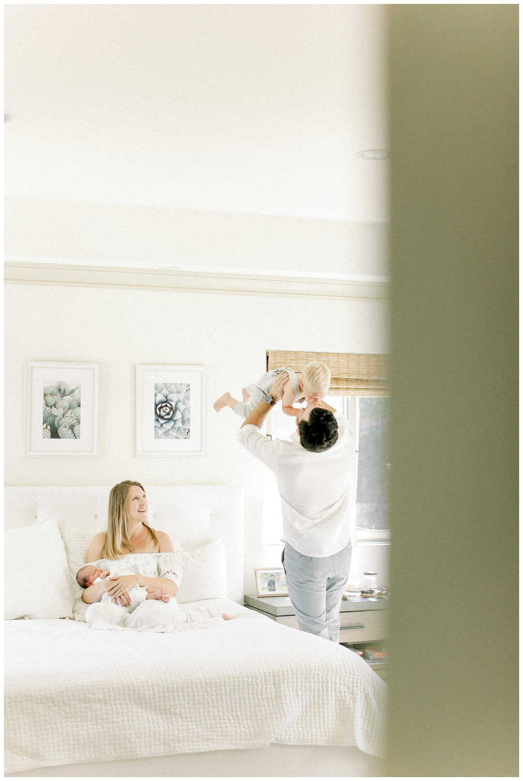 Newport_Beach_Lifestyle_in-Home_Photographer_Newport_Beach_Newborn_Photography_Orange_County_Newborn_Photographer_Cori_Kleckner_Photography_Orange_County_in-home_Photography__2053.jpg