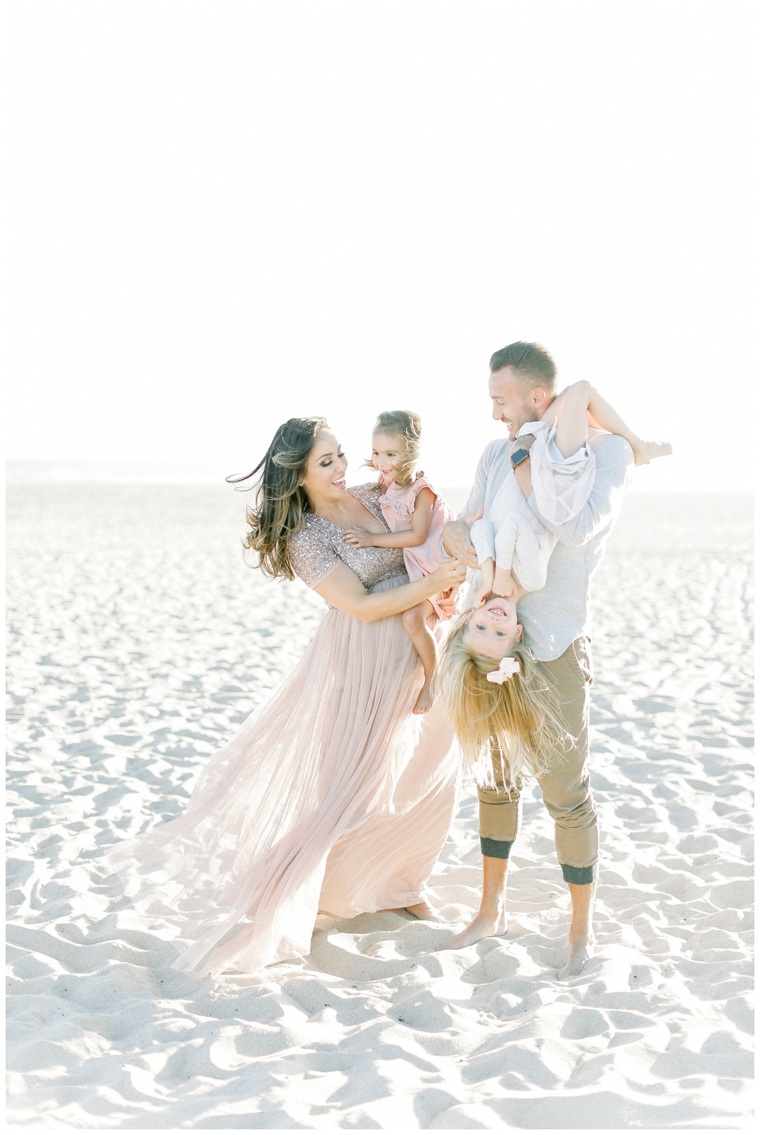 Newport_Beach_Maternity_Photographer_Newport_Beach_Newborn_Photography_Orange_County_Newborn_Photographer_Cori_Kleckner_Photography_Orange_County_in-home_Photography__2109.jpg