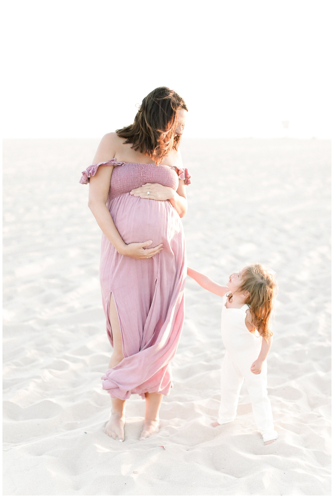 Newport_Beach_Maternity_Photographer_Newport_Beach_Newborn_Photography_Orange_County_Newborn_Photographer_Cori_Kleckner_Photography_Orange_County_in-home_Photography__2140.jpg