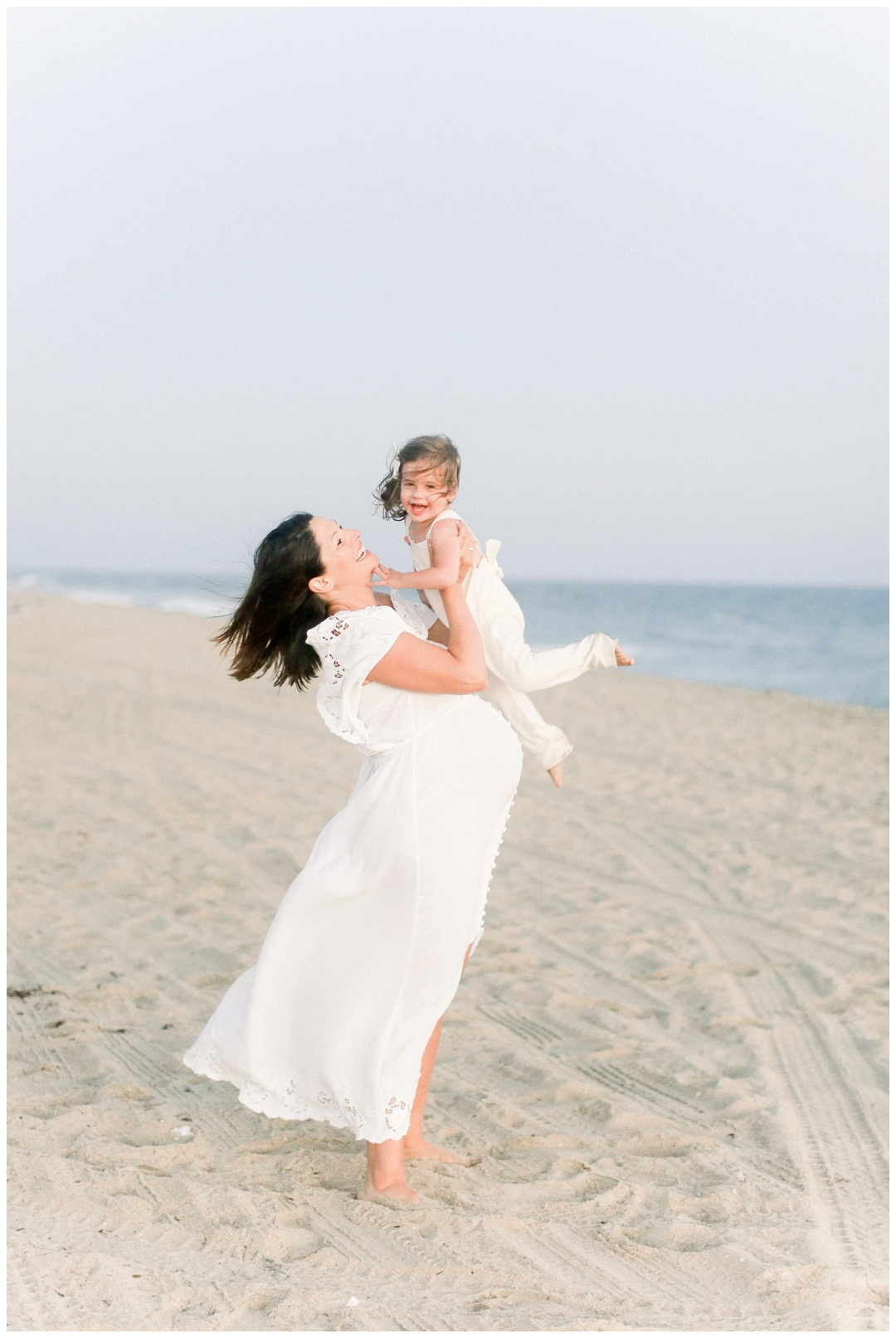 Newport_Beach_Maternity_Photographer_Newport_Beach_Newborn_Photography_Orange_County_Newborn_Photographer_Cori_Kleckner_Photography_Orange_County_in-home_Photography__2154.jpg