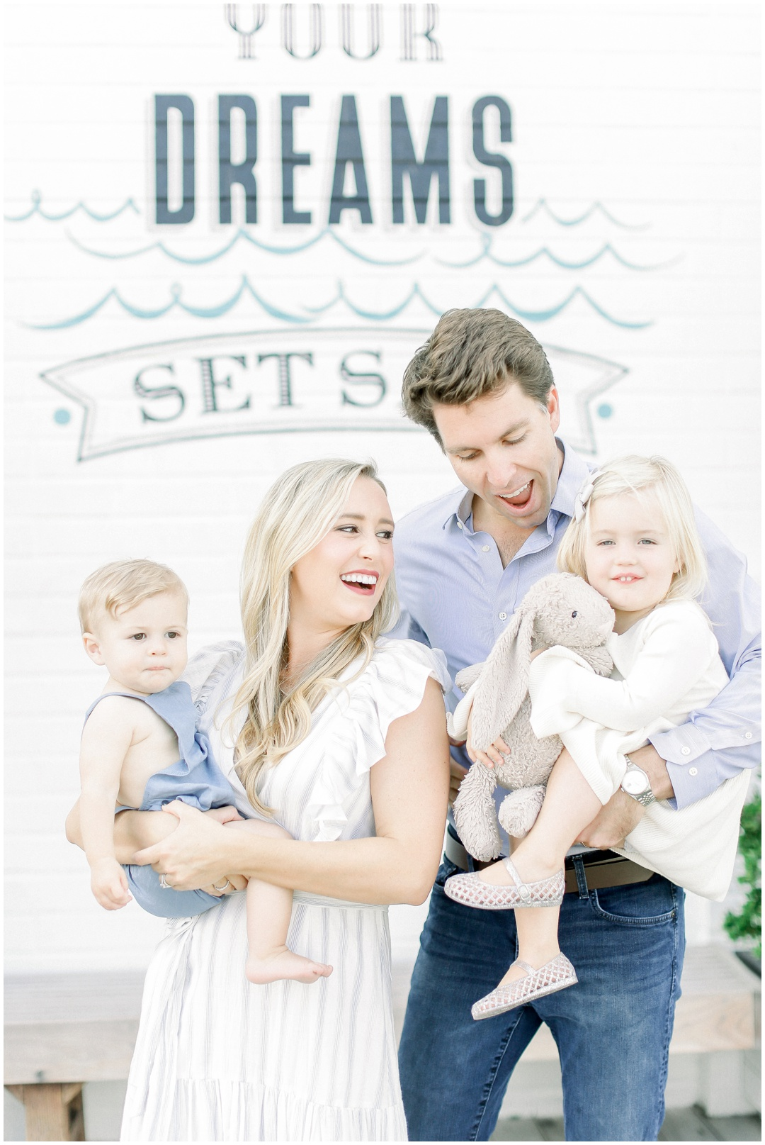 Lido_Marina_Village_Session_Photographer_Newport_Beach_Family_Photographer_Newport_Beach_Newborn_Photographer_Orange_County_Family_Photographer_Cori_Kleckner_Photography_Huntington_Beach_Photographer_Lara_Langford_Family_Session_2644.jpg