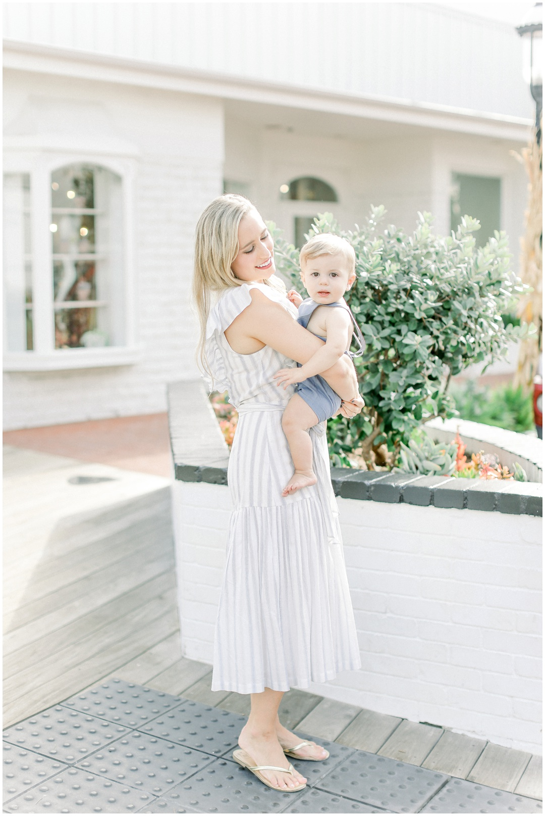 Lido_Marina_Village_Session_Photographer_Newport_Beach_Family_Photographer_Newport_Beach_Newborn_Photographer_Orange_County_Family_Photographer_Cori_Kleckner_Photography_Huntington_Beach_Photographer_Lara_Langford_Family_Session_2649.jpg