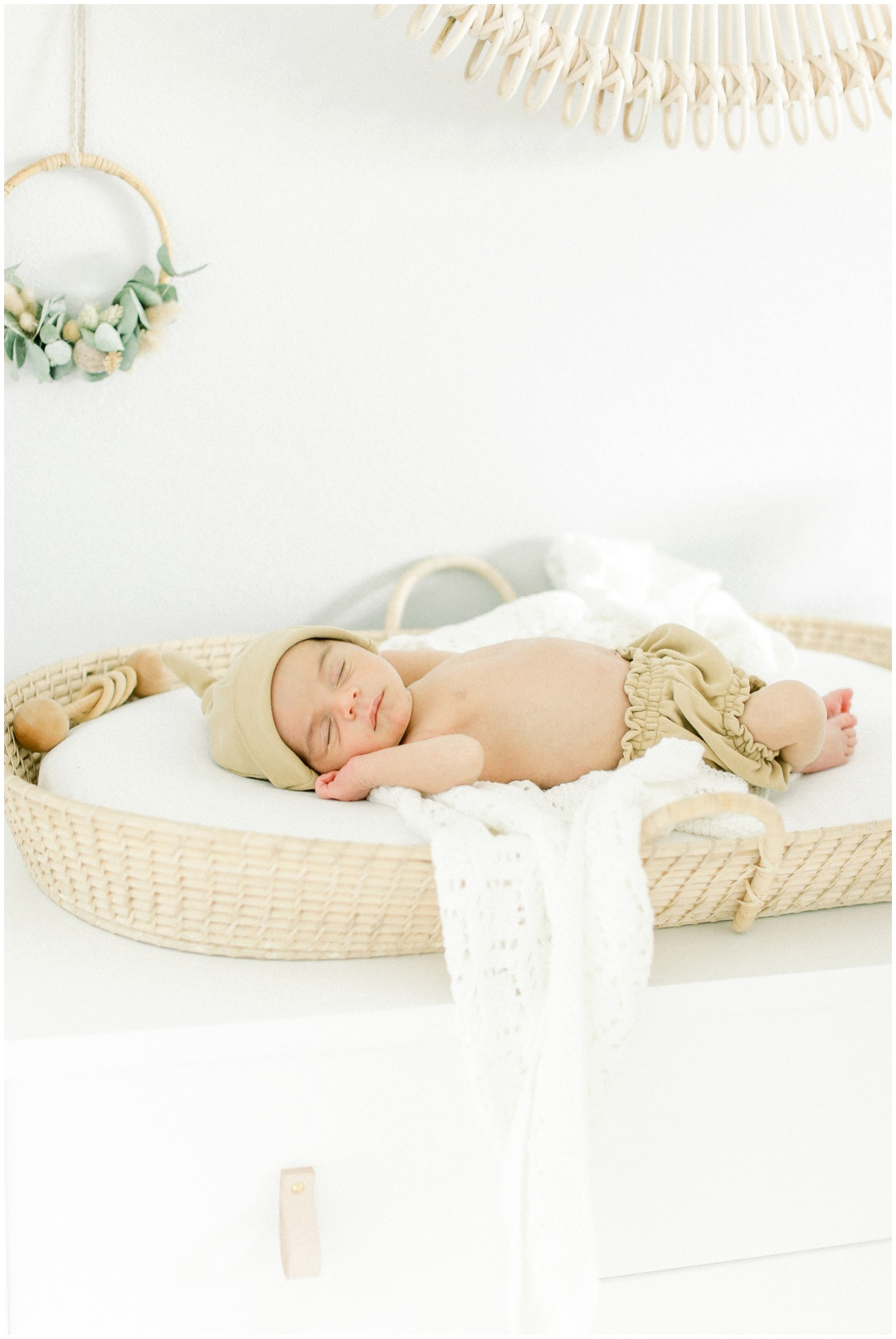 Newport_Beach_Newborn_Photographer_Newport_Beach_Maternity_Photographer_Orange_County_Family_Photographer_Cori_Kleckner_Photography_Huntington_Beach_Photographer_Family_OC_Newborn_Danielle_Char_Baum_Family_3065.jpg
