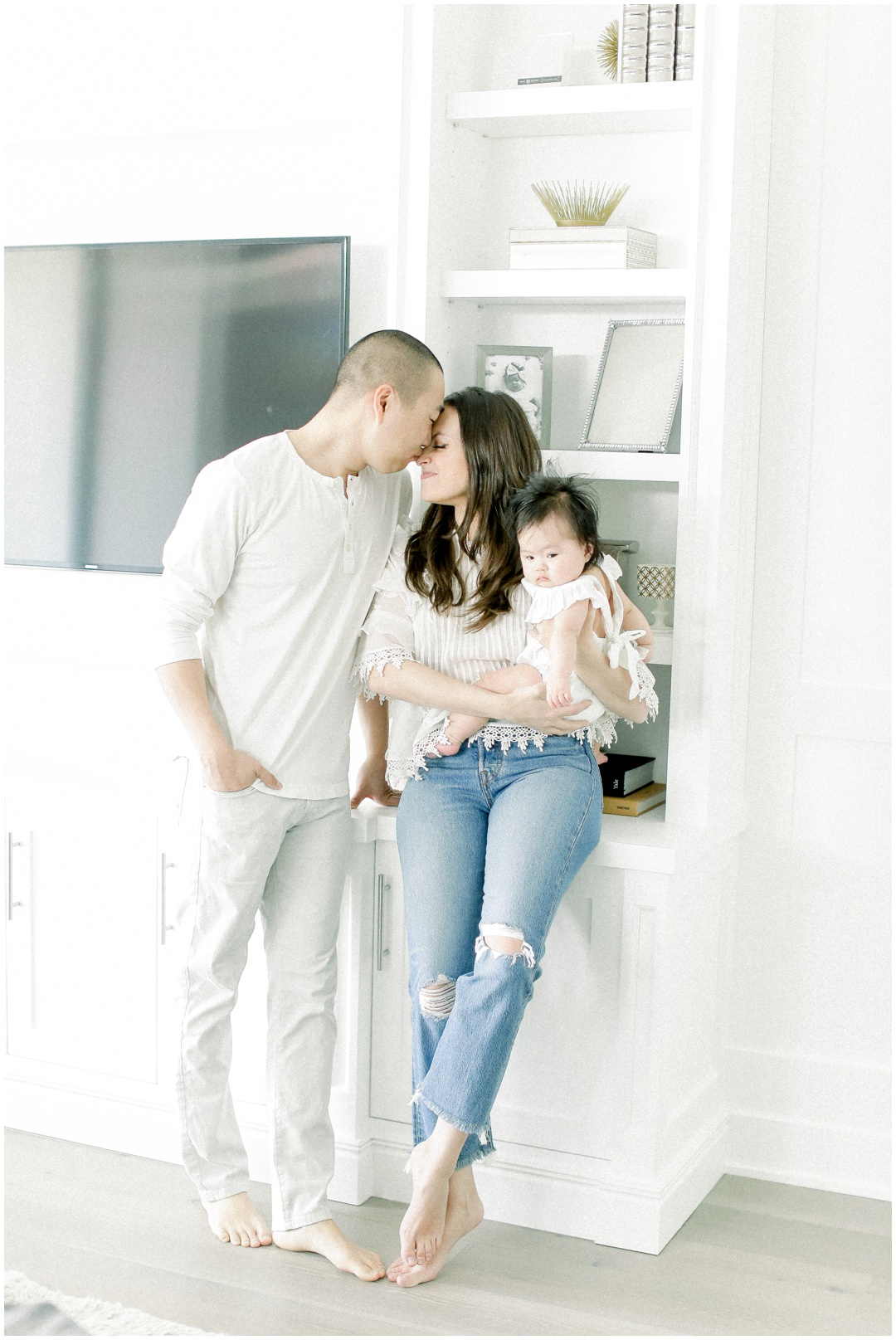 Newport_Beach_Family_Light_airy_Natural_Photographer_Newport_Beach_In-Home_Photographer_Orange_County_Family_Photographer_Cori_Kleckner_Photography_Huntington_Beach_Photographer_Family_OC_Newborn_Cassidee_Ma_Peter_Ma_Family__3148.jpg