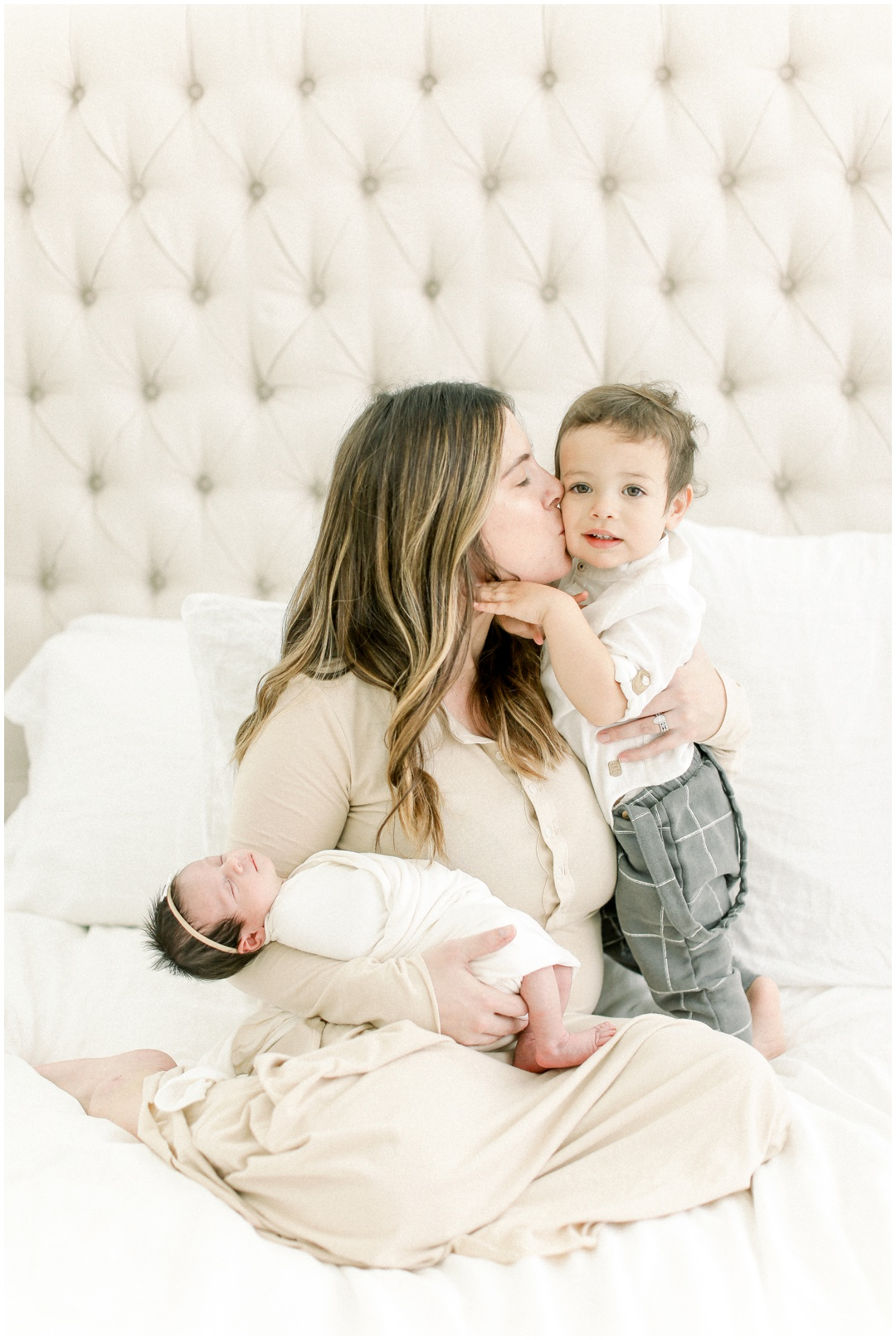Newport_Beach_Newborn_Light_Airy_Natural_Photographer_Newport_Beach_In-Home_Photographer_Orange_County_Family_Photographer_Cori_Kleckner_Photography_Huntington_Beach_Photographer_Family_OC_Newborn_Blair_Sharpe_Ricky_Sharpe_Newborn_Family__3166.jpg