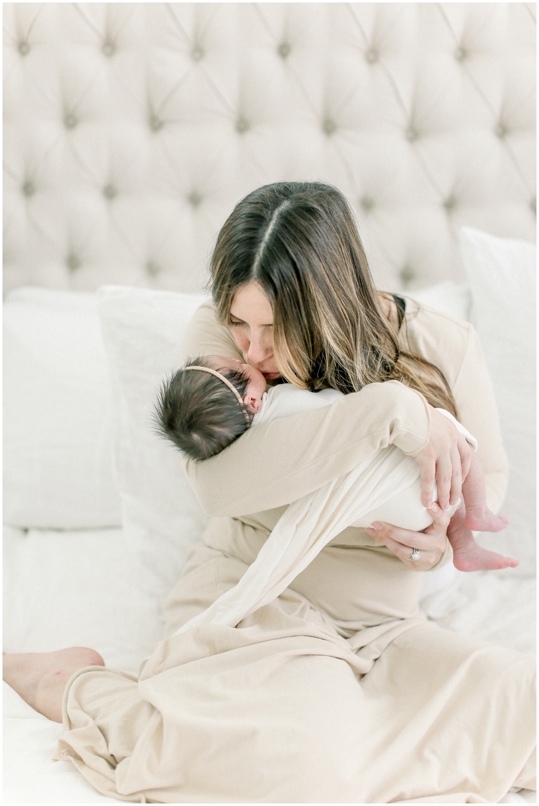 Newport_Beach_Newborn_Light_Airy_Natural_Photographer_Newport_Beach_In-Home_Photographer_Orange_County_Family_Photographer_Cori_Kleckner_Photography_Huntington_Beach_Photographer_Family_OC_Newborn_Blair_Sharpe_Ricky_Sharpe_Newborn_Family__3177.jpg
