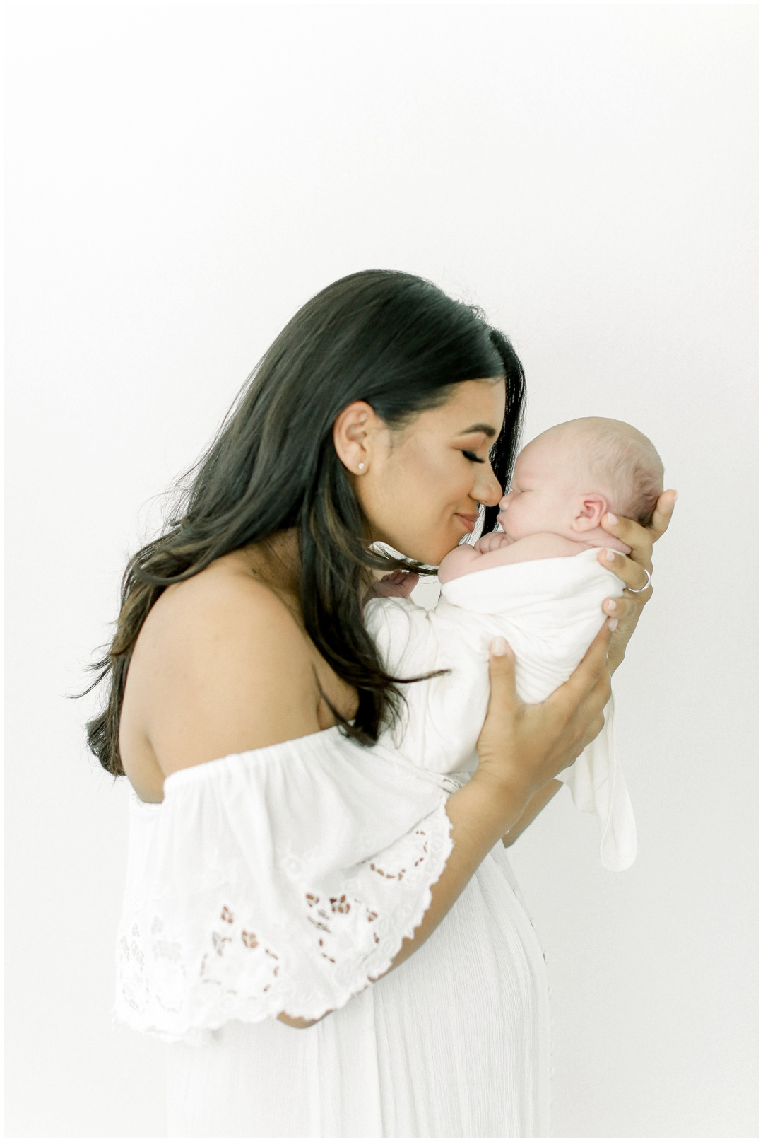 Newport_Beach_Newborn_Light_Airy_Natural_Photographer_Newport_Beach_In-Home_Photographer_Orange_County_Family_Photographer_Cori_Kleckner_Photography_Huntington_Beach_Photographer_Family_OC_Newborn_Cara_Burbank_Jeff_Burbank_Newborn_Family__3199.jpg