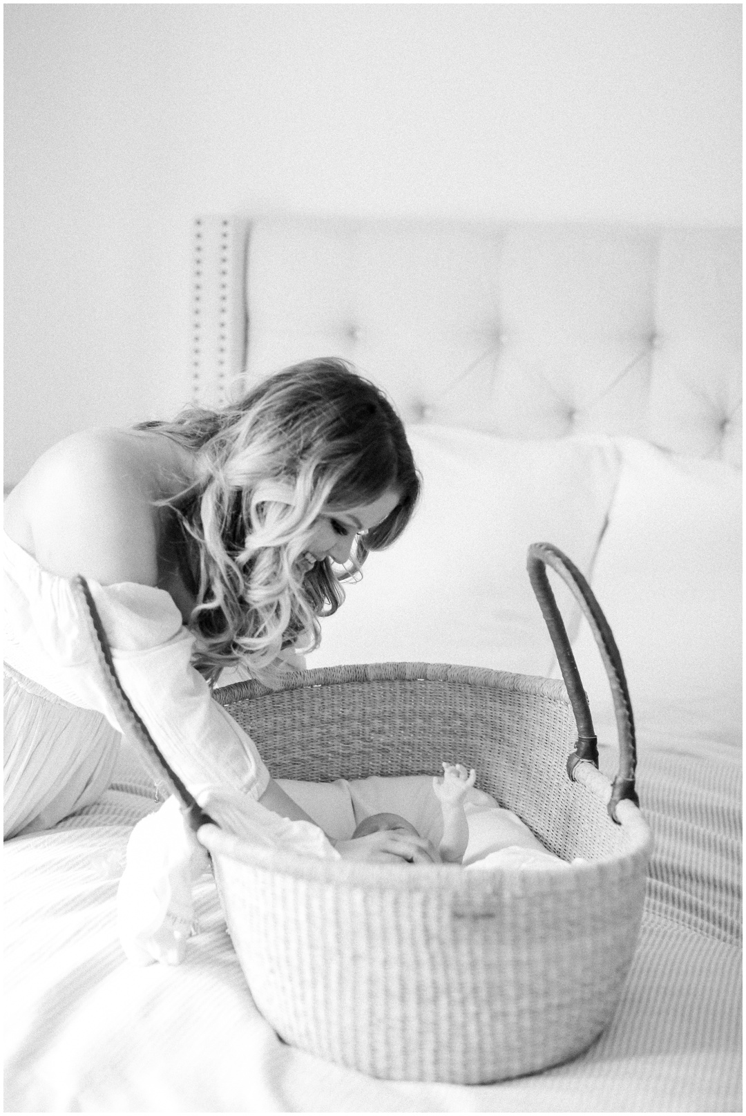 Newport_Beach_Newborn_Light_Airy_Natural_Photographer_Newport_Beach_In-Home_Photographer_Orange_County_Family_Photographer_Cori_Kleckner_Photography_Huntington_Beach_Photographer_Family_OC_Newborn_Meghan_Sullivan_Newborn_Family_Greer_Sullivan_3235.jpg