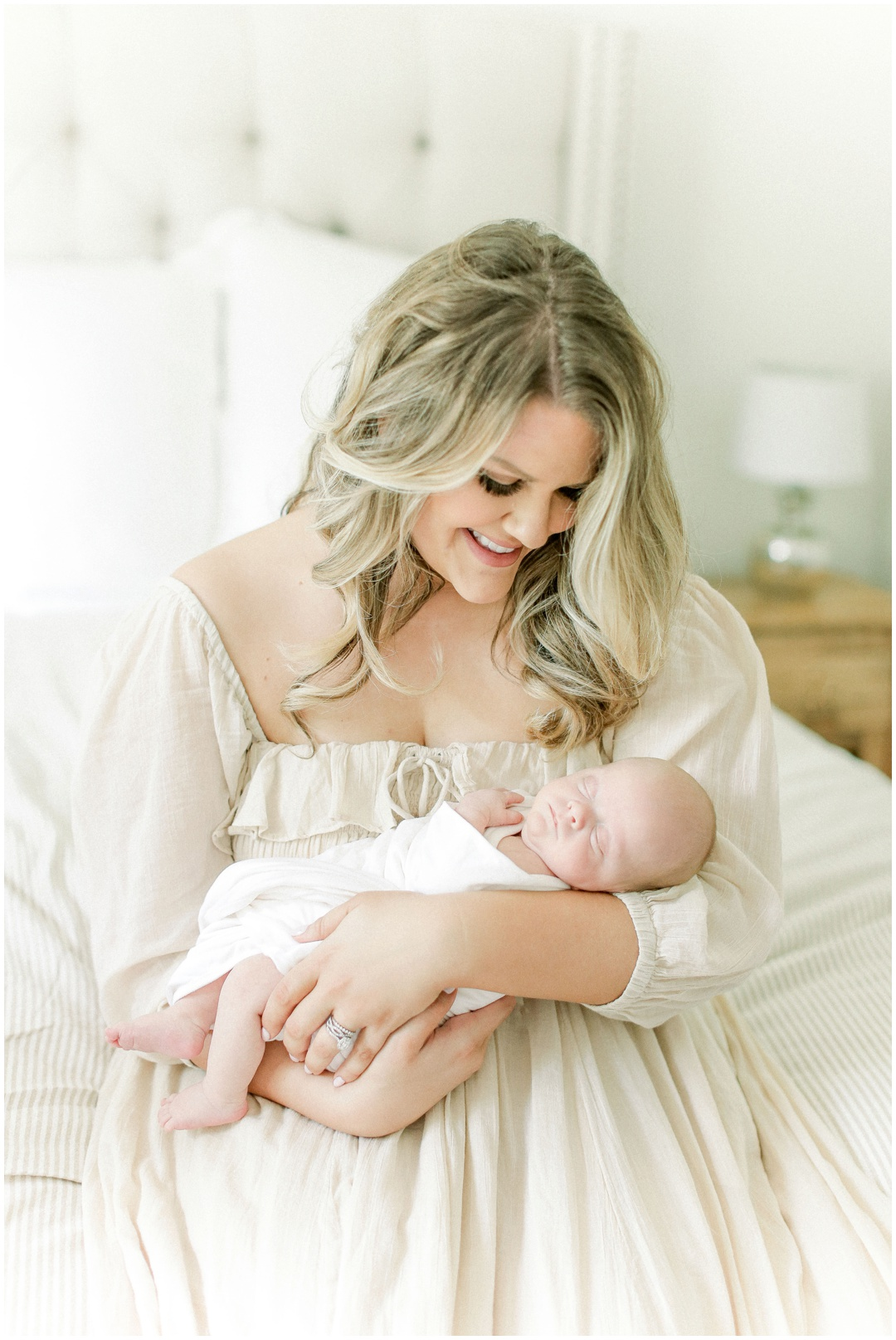 Newport_Beach_Newborn_Light_Airy_Natural_Photographer_Newport_Beach_In-Home_Photographer_Orange_County_Family_Photographer_Cori_Kleckner_Photography_Huntington_Beach_Photographer_Family_OC_Newborn_Meghan_Sullivan_Newborn_Family_Greer_Sullivan_3246.jpg
