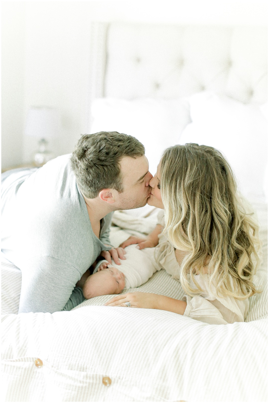 Newport_Beach_Newborn_Light_Airy_Natural_Photographer_Newport_Beach_In-Home_Photographer_Orange_County_Family_Photographer_Cori_Kleckner_Photography_Huntington_Beach_Photographer_Family_OC_Newborn_Meghan_Sullivan_Newborn_Family_Greer_Sullivan_3247.jpg