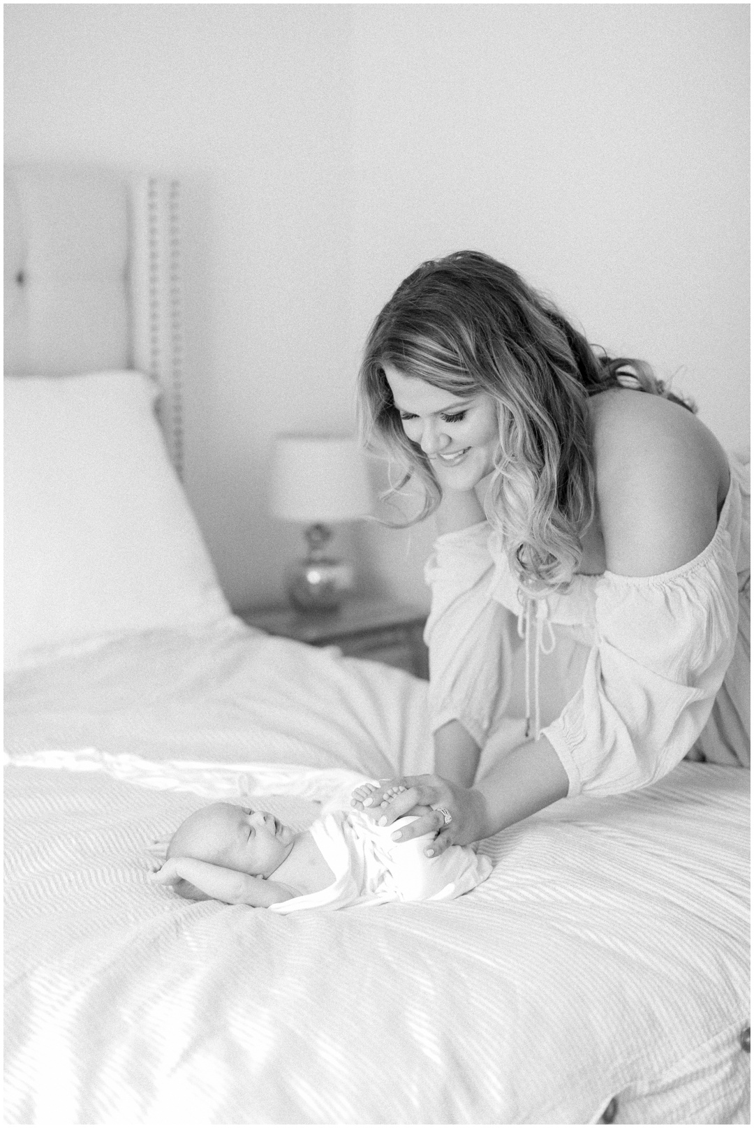 Newport_Beach_Newborn_Light_Airy_Natural_Photographer_Newport_Beach_In-Home_Photographer_Orange_County_Family_Photographer_Cori_Kleckner_Photography_Huntington_Beach_Photographer_Family_OC_Newborn_Meghan_Sullivan_Newborn_Family_Greer_Sullivan_3248.jpg