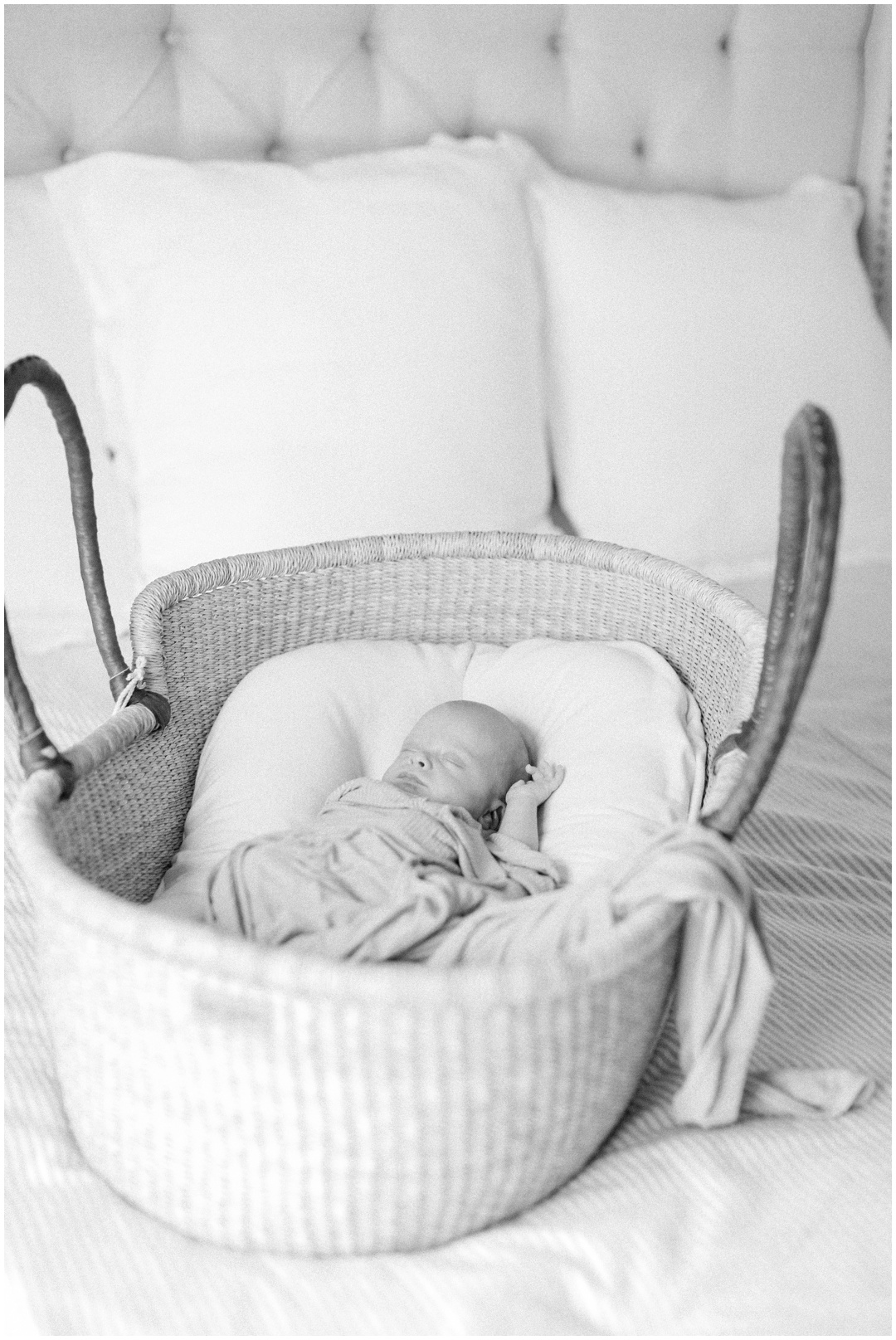 Newport_Beach_Newborn_Light_Airy_Natural_Photographer_Newport_Beach_In-Home_Photographer_Orange_County_Family_Photographer_Cori_Kleckner_Photography_Huntington_Beach_Photographer_Family_OC_Newborn_Meghan_Sullivan_Newborn_Family_Greer_Sullivan_3249.jpg
