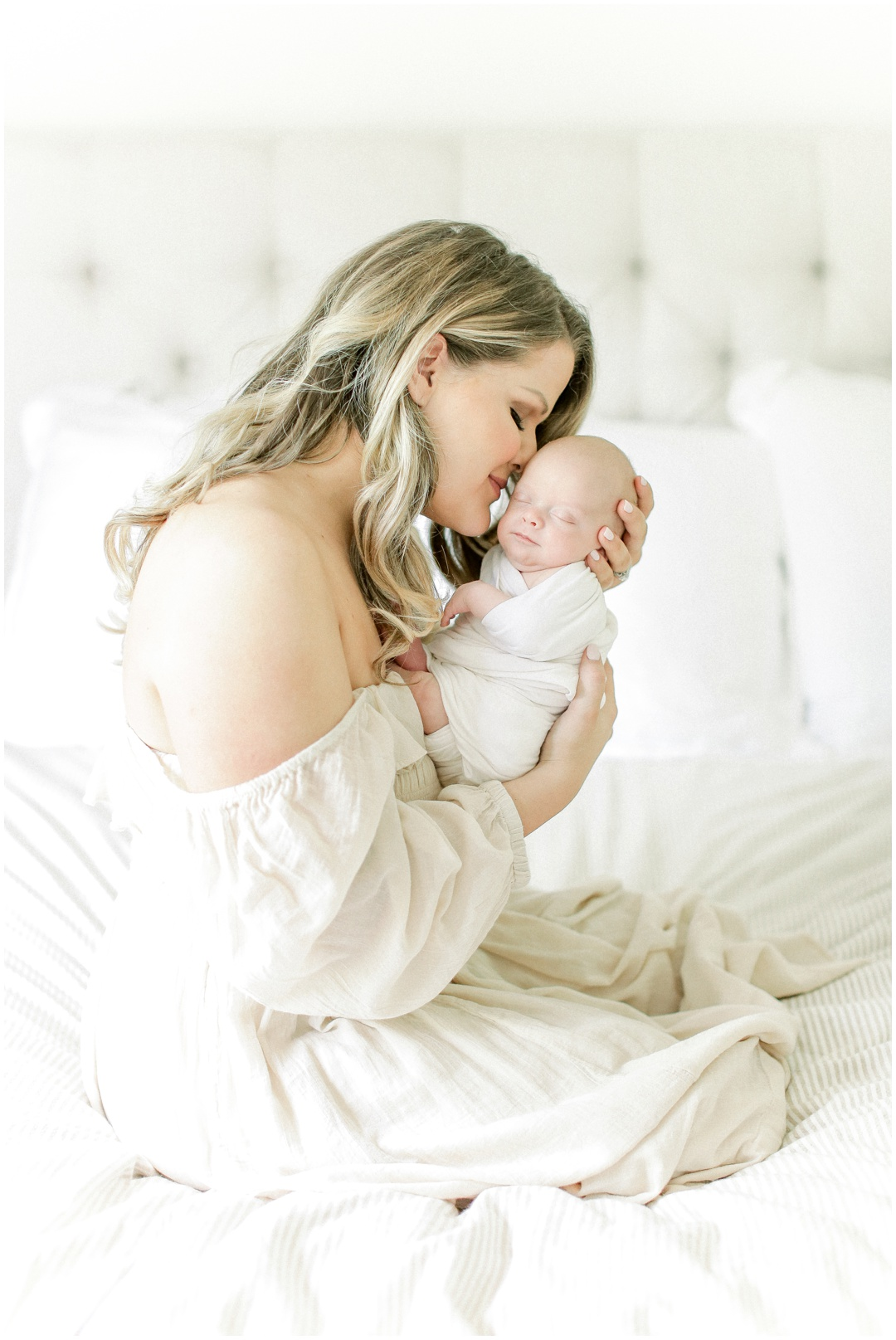 Newport_Beach_Newborn_Light_Airy_Natural_Photographer_Newport_Beach_In-Home_Photographer_Orange_County_Family_Photographer_Cori_Kleckner_Photography_Huntington_Beach_Photographer_Family_OC_Newborn_Meghan_Sullivan_Newborn_Family_Greer_Sullivan_3251.jpg