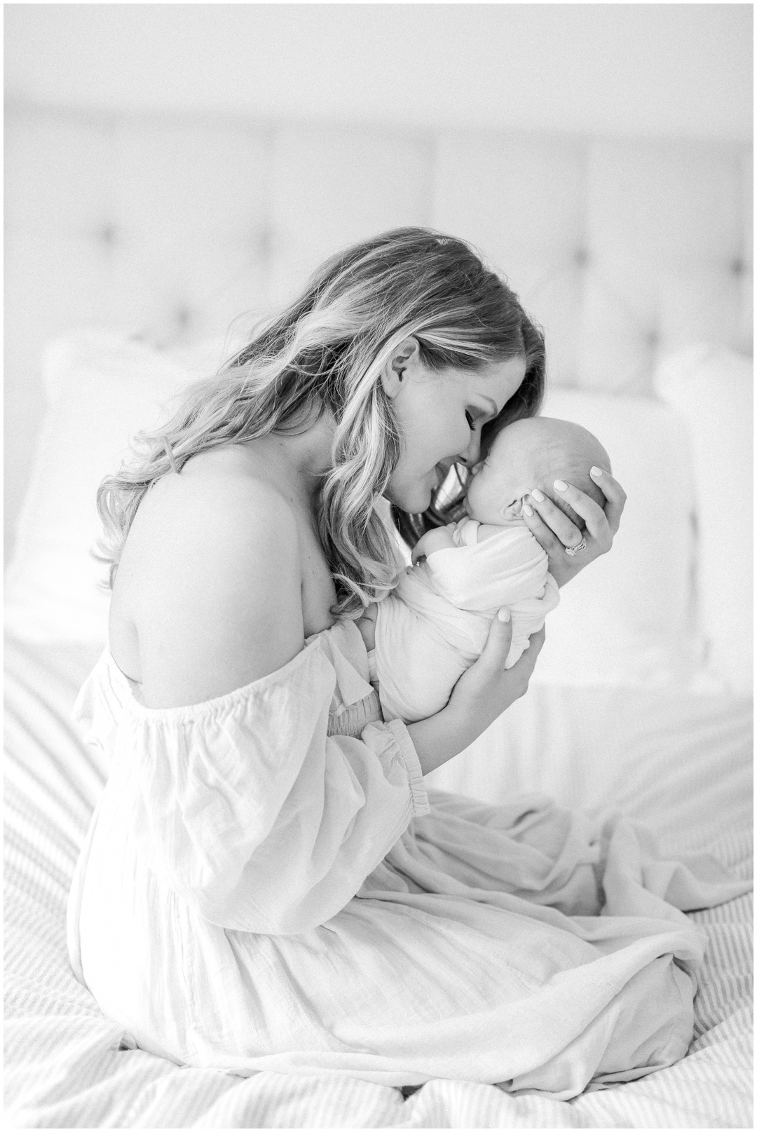 Newport_Beach_Newborn_Light_Airy_Natural_Photographer_Newport_Beach_In-Home_Photographer_Orange_County_Family_Photographer_Cori_Kleckner_Photography_Huntington_Beach_Photographer_Family_OC_Newborn_Meghan_Sullivan_Newborn_Family_Greer_Sullivan_3257.jpg