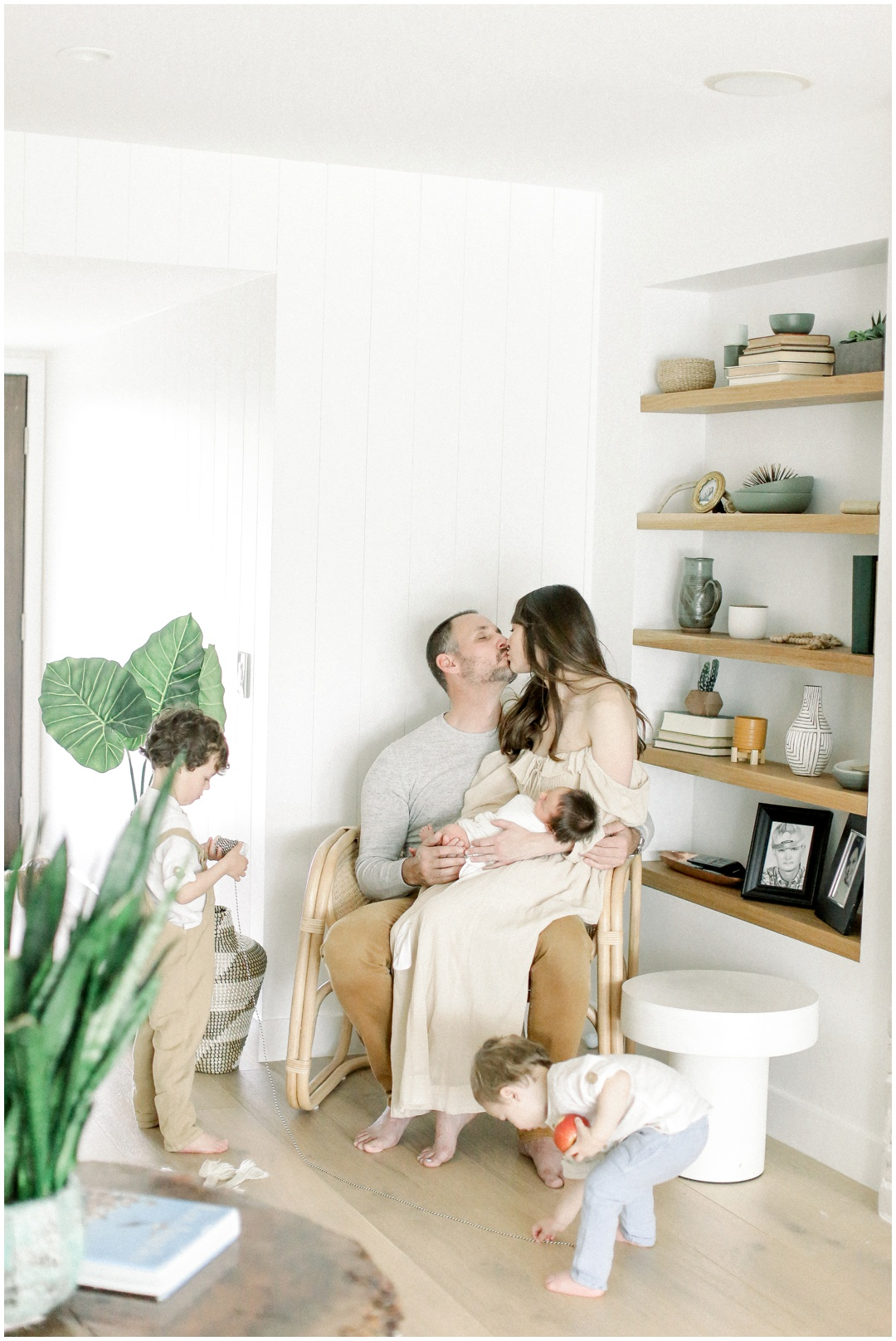 Newport_Beach_Newborn_Light_Airy_Natural_Photographer_Newport_Beach_In-Home_Photographer_Orange_County_Family_Photographer_Cori_Kleckner_Photography_Huntington_Beach_Photographer_Family_OC_Newborn_April_Levins_Newborn_Family__3293.jpg