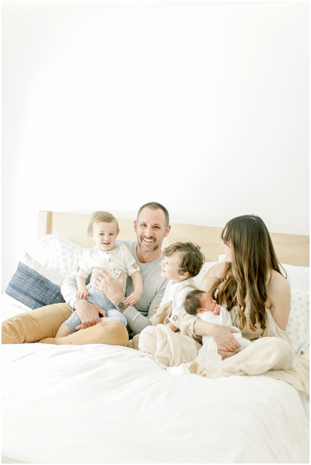 Newport_Beach_Newborn_Light_Airy_Natural_Photographer_Newport_Beach_In-Home_Photographer_Orange_County_Family_Photographer_Cori_Kleckner_Photography_Huntington_Beach_Photographer_Family_OC_Newborn_April_Levins_Newborn_Family__3269.jpg