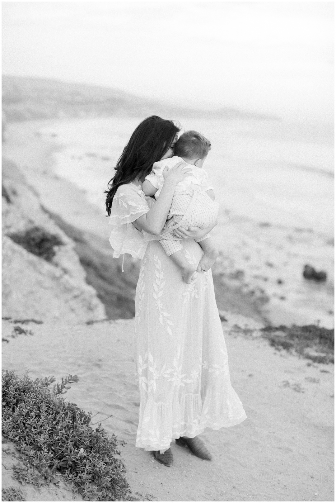 Newport_Beach_Newborn_Light_Airy_Natural_Photographer_Newport_Beach_Photographer_Orange_County_Family_Photographer_Cori_Kleckner_Photography_Huntington_Beach_Photographer_Family_OC_Newborn_Danielle_Lawley_Parker_Maternity_Family_Jordan_Lawley_3366.jpg