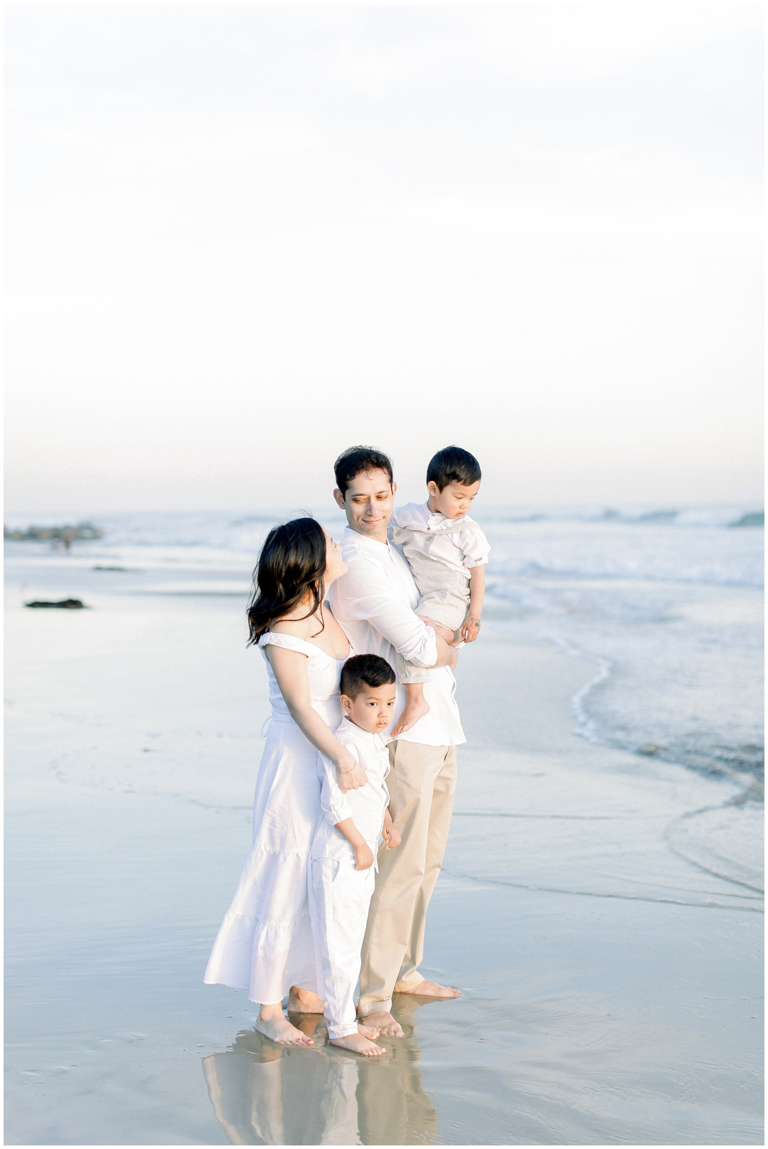 Newport_Beach_Newborn_Light_Airy_Natural_Photographer_Newport_Beach_Photographer_Orange_County_Family_Photographer_Cori_Kleckner_Photography_Huntington_Beach_Photographer_Family_OC_Newborn_Christine_Cho_Family_session__3396.jpg