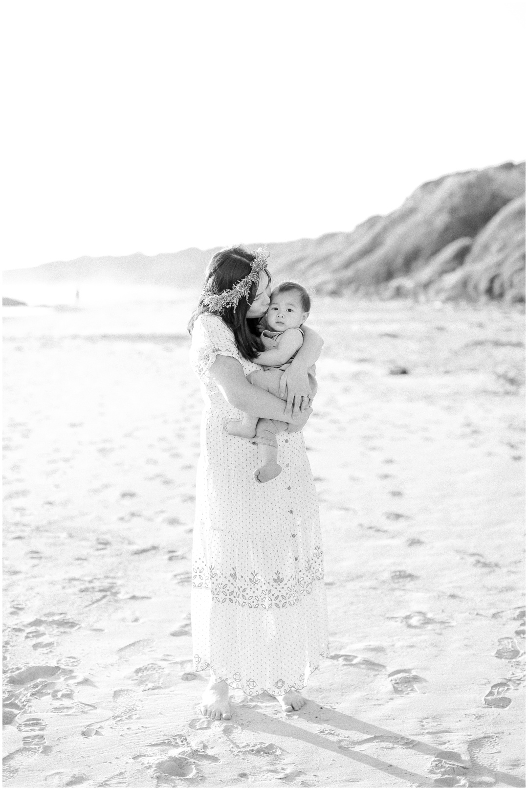 Newport_Beach_Newborn_Light_Airy_Natural_Photographer_Newport_Beach_Photographer_Orange_County_Family_Photographer_Cori_Kleckner_Photography_Huntington_Beach_Photographer_Family_OC_Newborn_Jennifer_Tom_Maternity_Family_session__3448.jpg