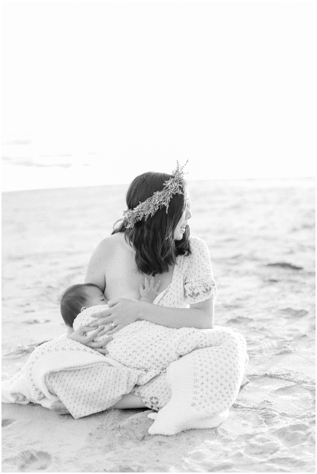Newport_Beach_Newborn_Light_Airy_Natural_Photographer_Newport_Beach_Photographer_Orange_County_Family_Photographer_Cori_Kleckner_Photography_Huntington_Beach_Photographer_Family_OC_Newborn_Jennifer_Tom_Maternity_Family_session__3430.jpg