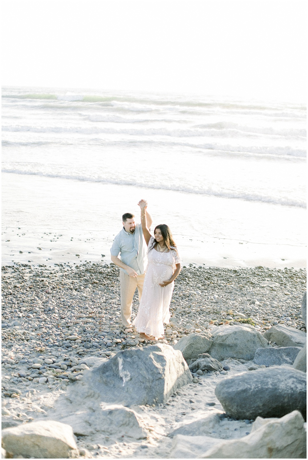 Newport_Beach_Newborn_Light_Airy_Natural_Photographer_Newport_Beach_Photographer_Orange_County_Family_Photographer_Cori_Kleckner_Photography_Huntington_Beach_Photographer_Family_OC_Newborn_Natasha_Flamenco_David_Flamenco_Maternity_Family_session__3403.jpg