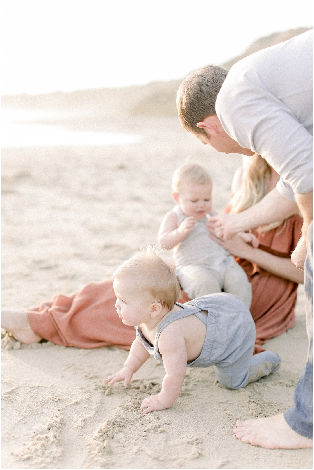Newport_Beach_Newborn_Light_Airy_Natural_Photographer_Newport_Beach_Photographer_Orange_County_Family_Photographer_Cori_Kleckner_Photography_Huntington_Beach_Photographer_Family_OC_Newborn_Kelly_Bandak_Nik_Bandak__3516.jpg