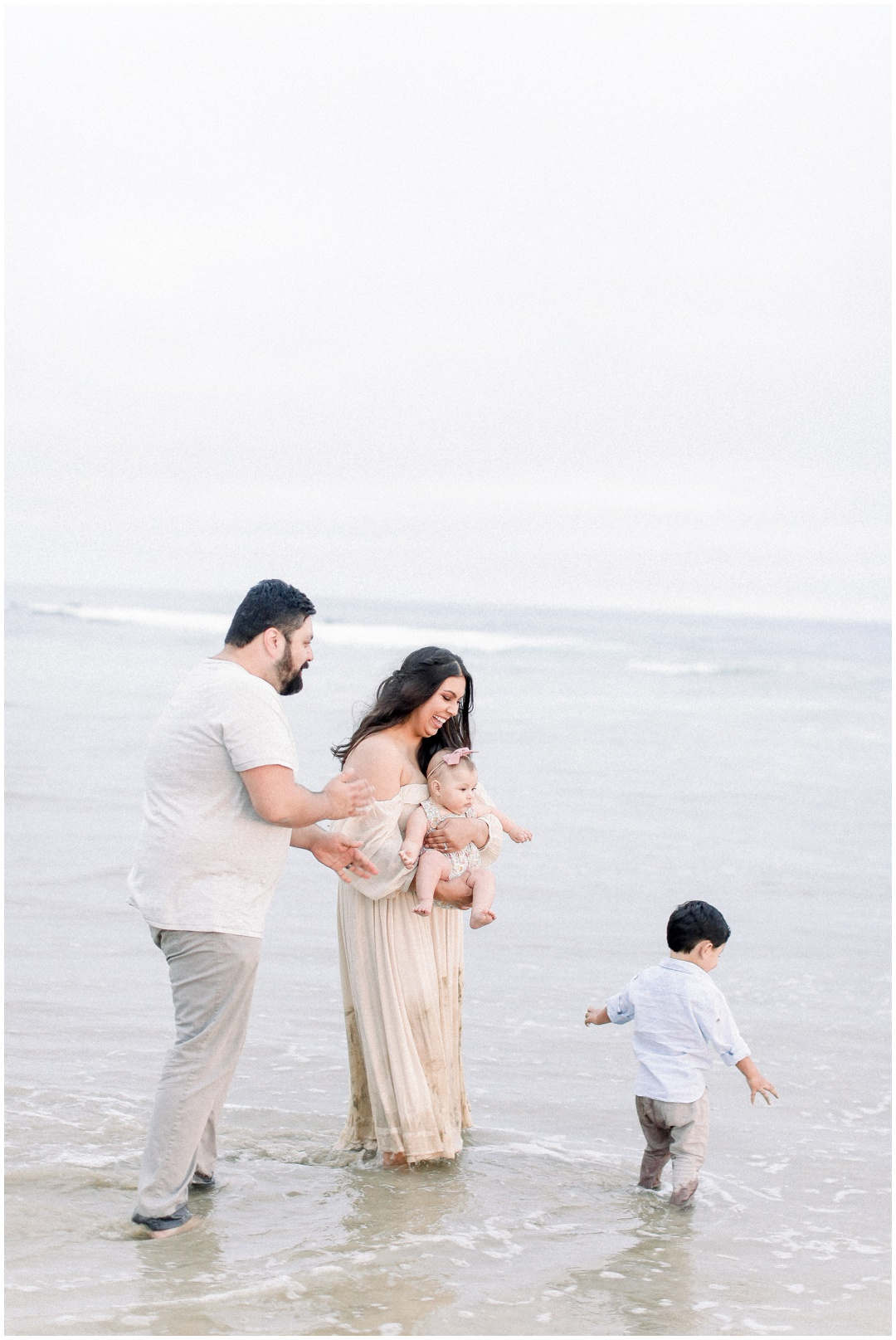 Newport_Beach_Newborn_Light_Airy_Natural_Photographer_Newport_Beach_Photographer_Orange_County_Family_Photographer_Cori_Kleckner_Photography_Huntington_Beach_Photographer_Family_OC_Newborn_Natalie_Nunez_Thomas_Nunez_Natalie_Roca_Rosh_Nunez_Family_3583.jpg