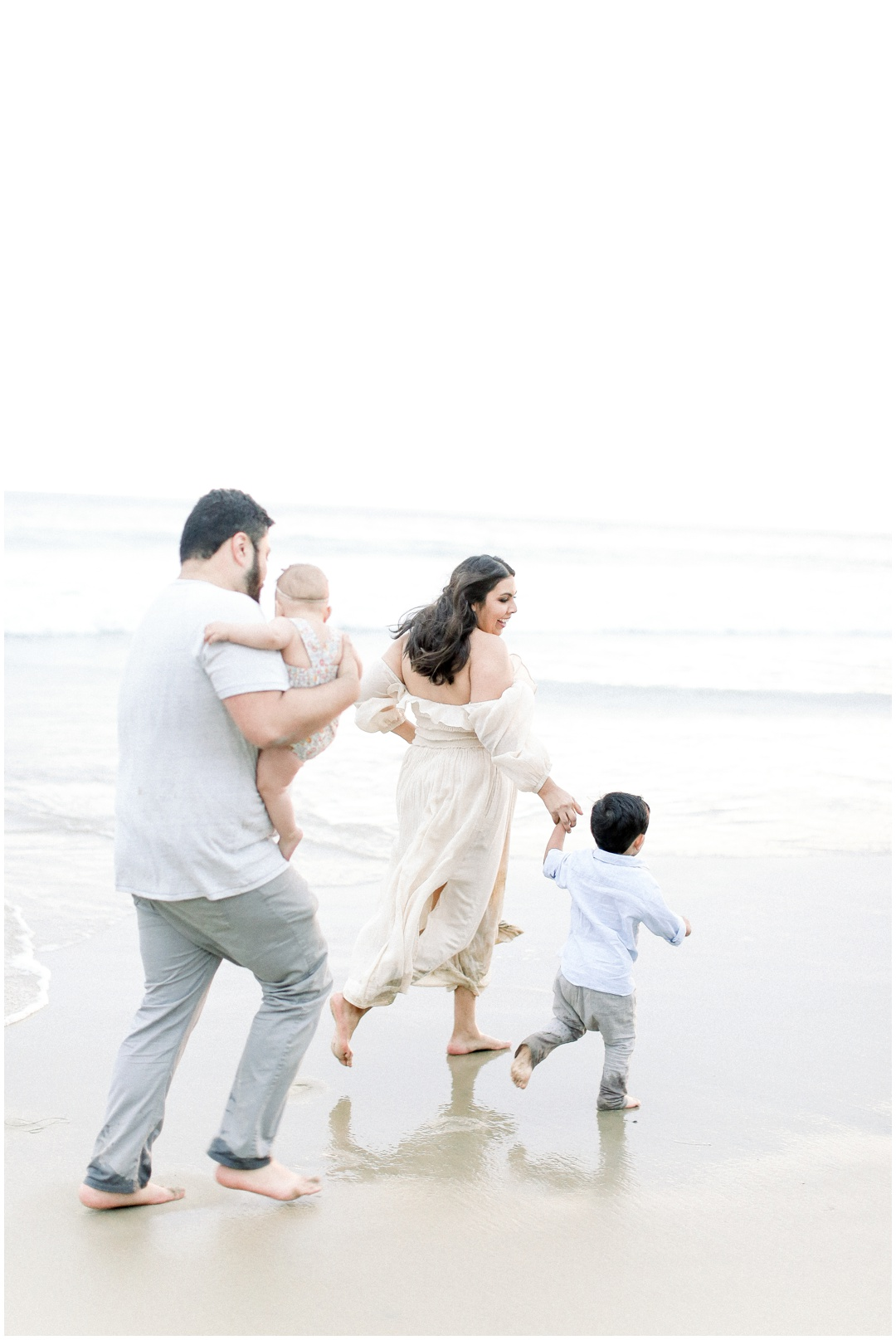 Newport_Beach_Newborn_Light_Airy_Natural_Photographer_Newport_Beach_Photographer_Orange_County_Family_Photographer_Cori_Kleckner_Photography_Huntington_Beach_Photographer_Family_OC_Newborn_Natalie_Nunez_Thomas_Nunez_Natalie_Roca_Rosh_Nunez_Family_3579.jpg