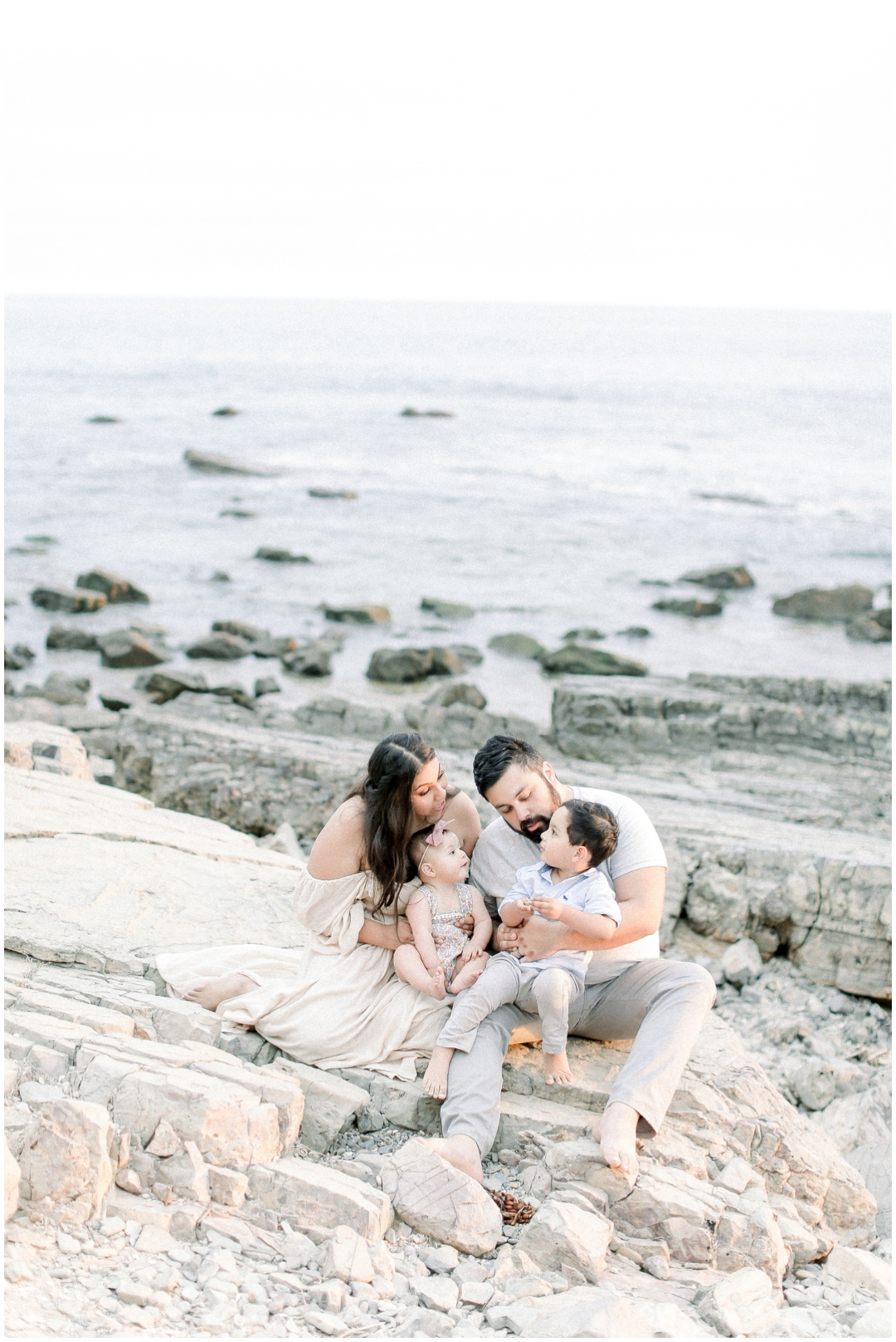 Newport_Beach_Newborn_Light_Airy_Natural_Photographer_Newport_Beach_Photographer_Orange_County_Family_Photographer_Cori_Kleckner_Photography_Huntington_Beach_Photographer_Family_OC_Newborn_Natalie_Nunez_Thomas_Nunez_Natalie_Roca_Rosh_Nunez_Family_3564.jpg
