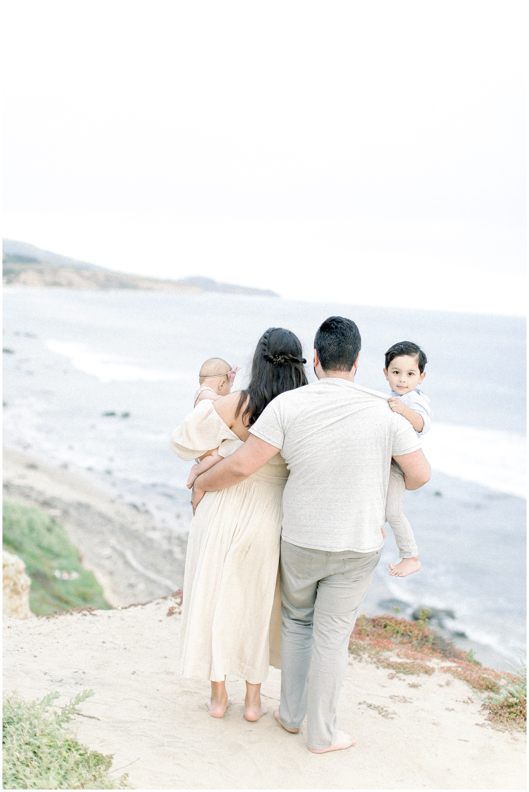 Newport_Beach_Newborn_Light_Airy_Natural_Photographer_Newport_Beach_Photographer_Orange_County_Family_Photographer_Cori_Kleckner_Photography_Huntington_Beach_Photographer_Family_OC_Newborn_Natalie_Nunez_Thomas_Nunez_Natalie_Roca_Rosh_Nunez_Family_3560.jpg