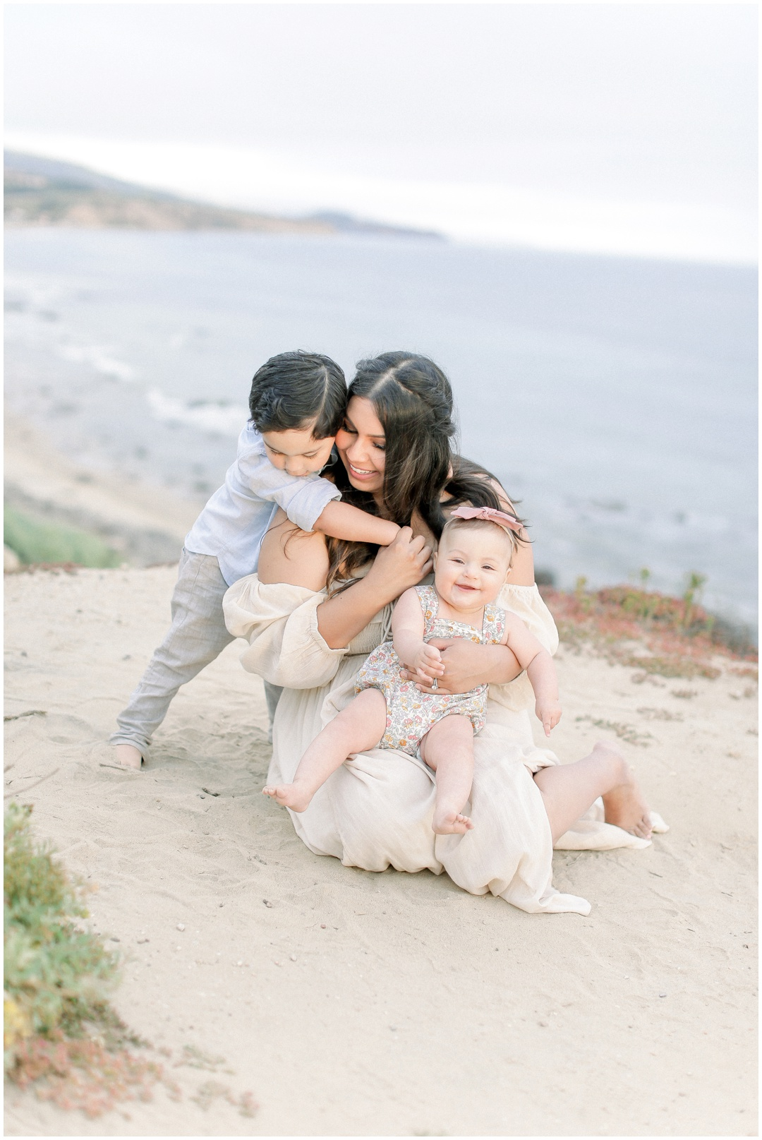 Newport_Beach_Newborn_Light_Airy_Natural_Photographer_Newport_Beach_Photographer_Orange_County_Family_Photographer_Cori_Kleckner_Photography_Huntington_Beach_Photographer_Family_OC_Newborn_Natalie_Nunez_Thomas_Nunez_Natalie_Roca_Rosh_Nunez_Family_3554.jpg