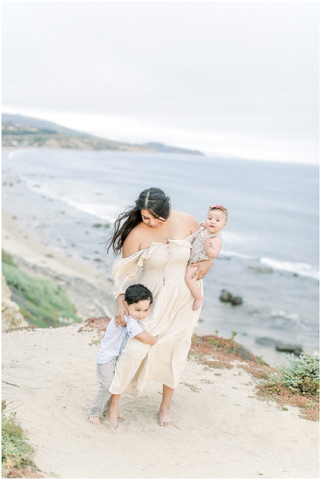 Newport_Beach_Newborn_Light_Airy_Natural_Photographer_Newport_Beach_Photographer_Orange_County_Family_Photographer_Cori_Kleckner_Photography_Huntington_Beach_Photographer_Family_OC_Newborn_Natalie_Nunez_Thomas_Nunez_Natalie_Roca_Rosh_Nunez_Family_3552.jpg