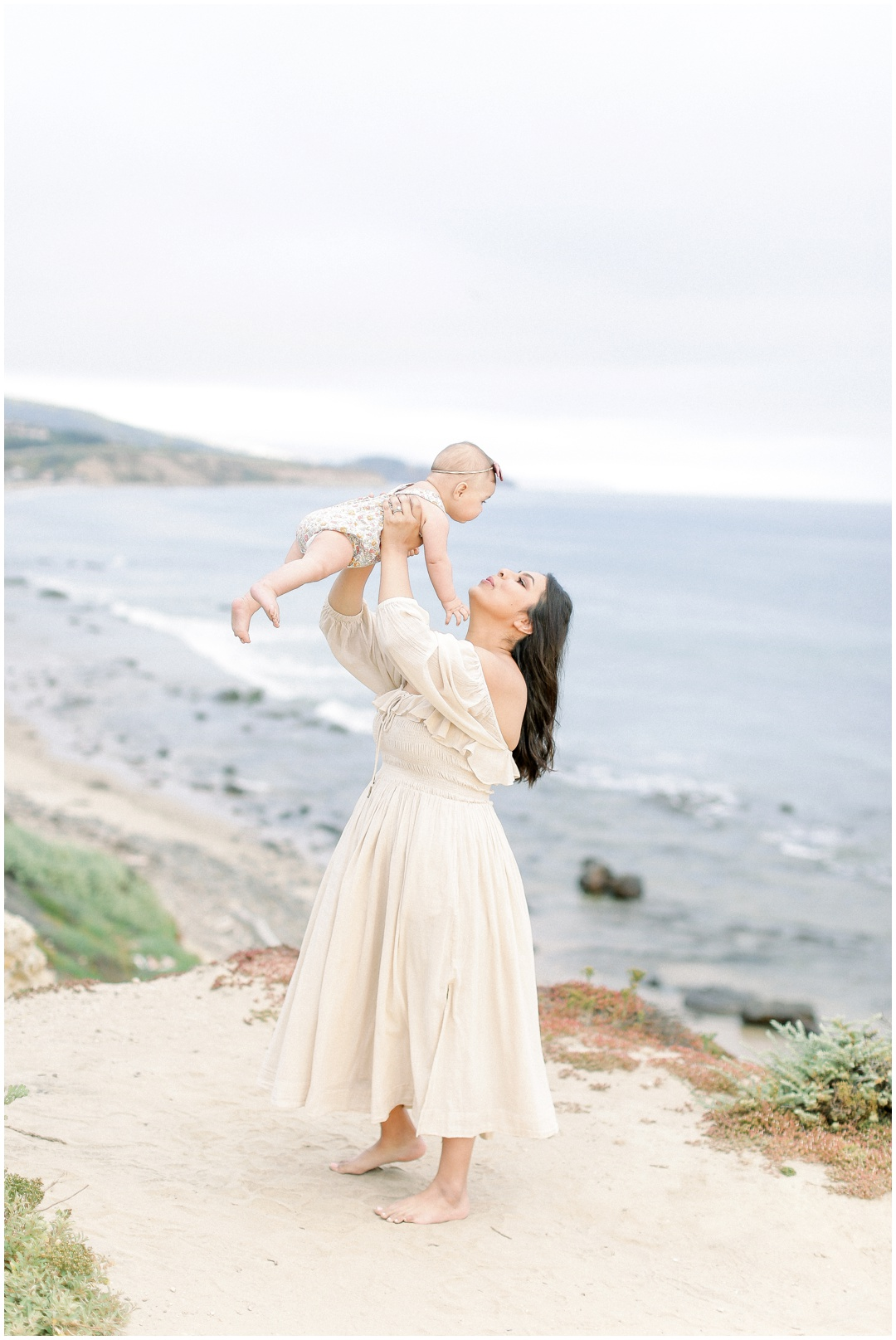 Newport_Beach_Newborn_Light_Airy_Natural_Photographer_Newport_Beach_Photographer_Orange_County_Family_Photographer_Cori_Kleckner_Photography_Huntington_Beach_Photographer_Family_OC_Newborn_Natalie_Nunez_Thomas_Nunez_Natalie_Roca_Rosh_Nunez_Family_3550.jpg