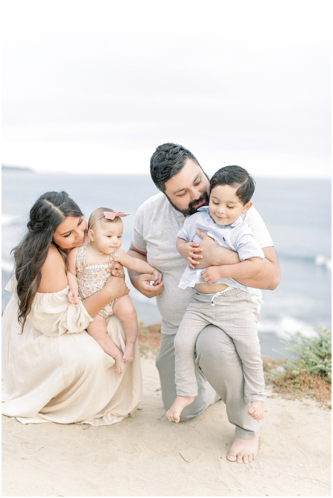 Newport_Beach_Newborn_Light_Airy_Natural_Photographer_Newport_Beach_Photographer_Orange_County_Family_Photographer_Cori_Kleckner_Photography_Huntington_Beach_Photographer_Family_OC_Newborn_Natalie_Nunez_Thomas_Nunez_Natalie_Roca_Rosh_Nunez_Family_3549.jpg