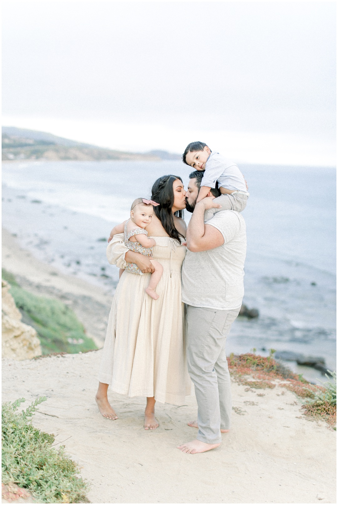 Newport_Beach_Newborn_Light_Airy_Natural_Photographer_Newport_Beach_Photographer_Orange_County_Family_Photographer_Cori_Kleckner_Photography_Huntington_Beach_Photographer_Family_OC_Newborn_Natalie_Nunez_Thomas_Nunez_Natalie_Roca_Rosh_Nunez_Family_3547.jpg